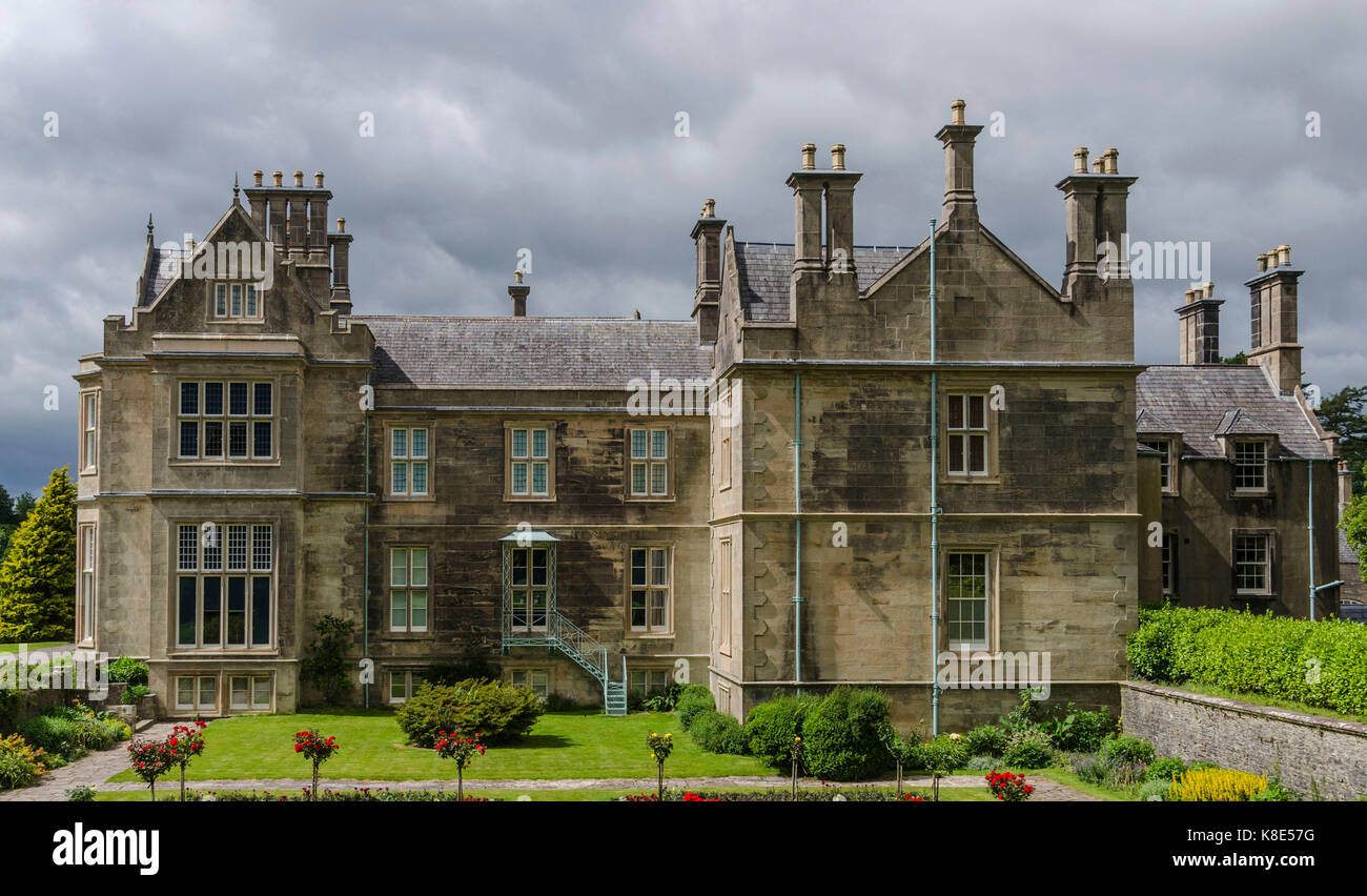 Ireland, Muckross House in the Killarney Nationwide park in the ring of Kerry , Irland, Muckross House im Killarney - Stock Image