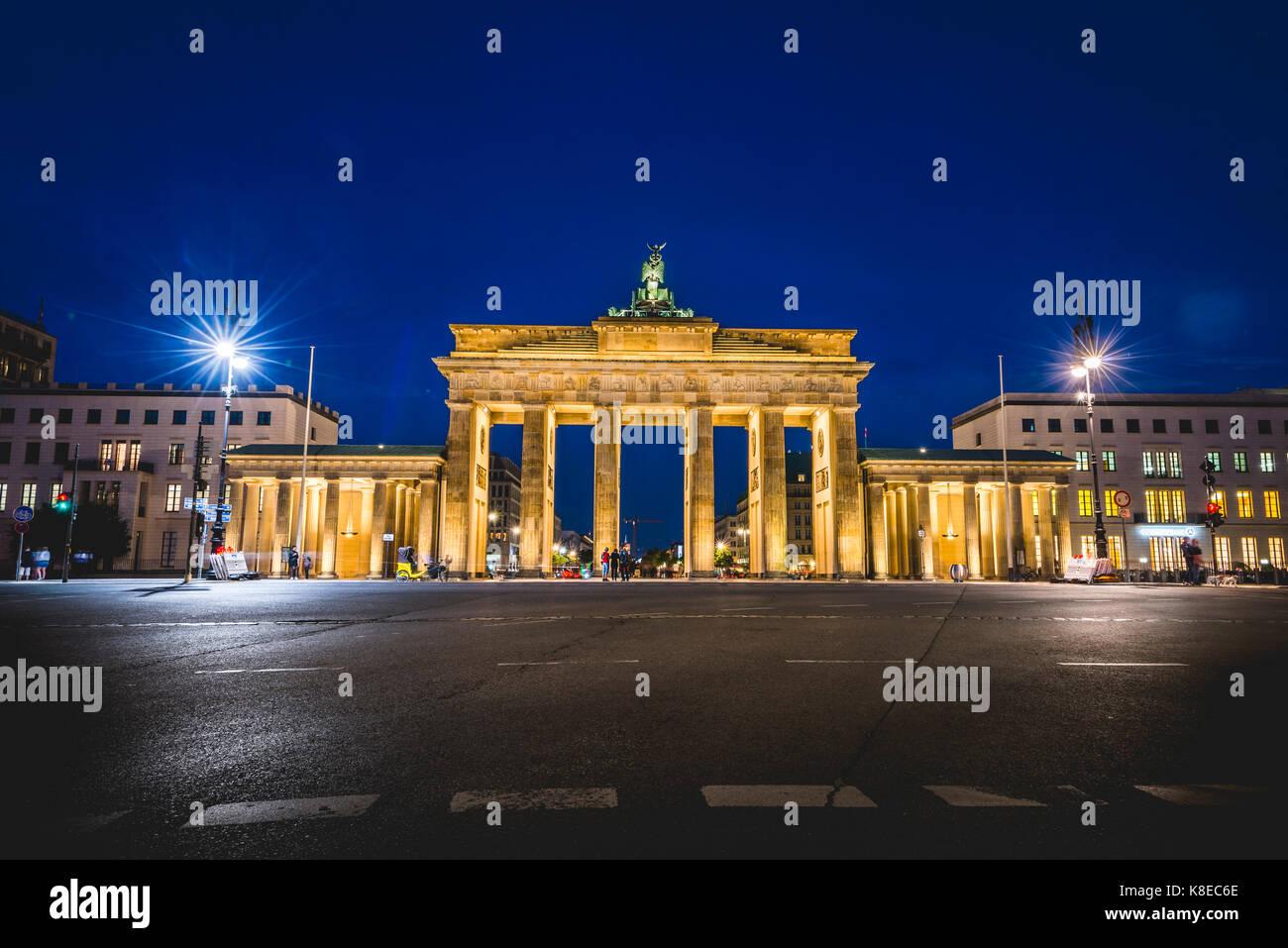 Brandenburg Gate at night, illuminated, Berlin-Mitte, Berlin, Germany - Stock Image