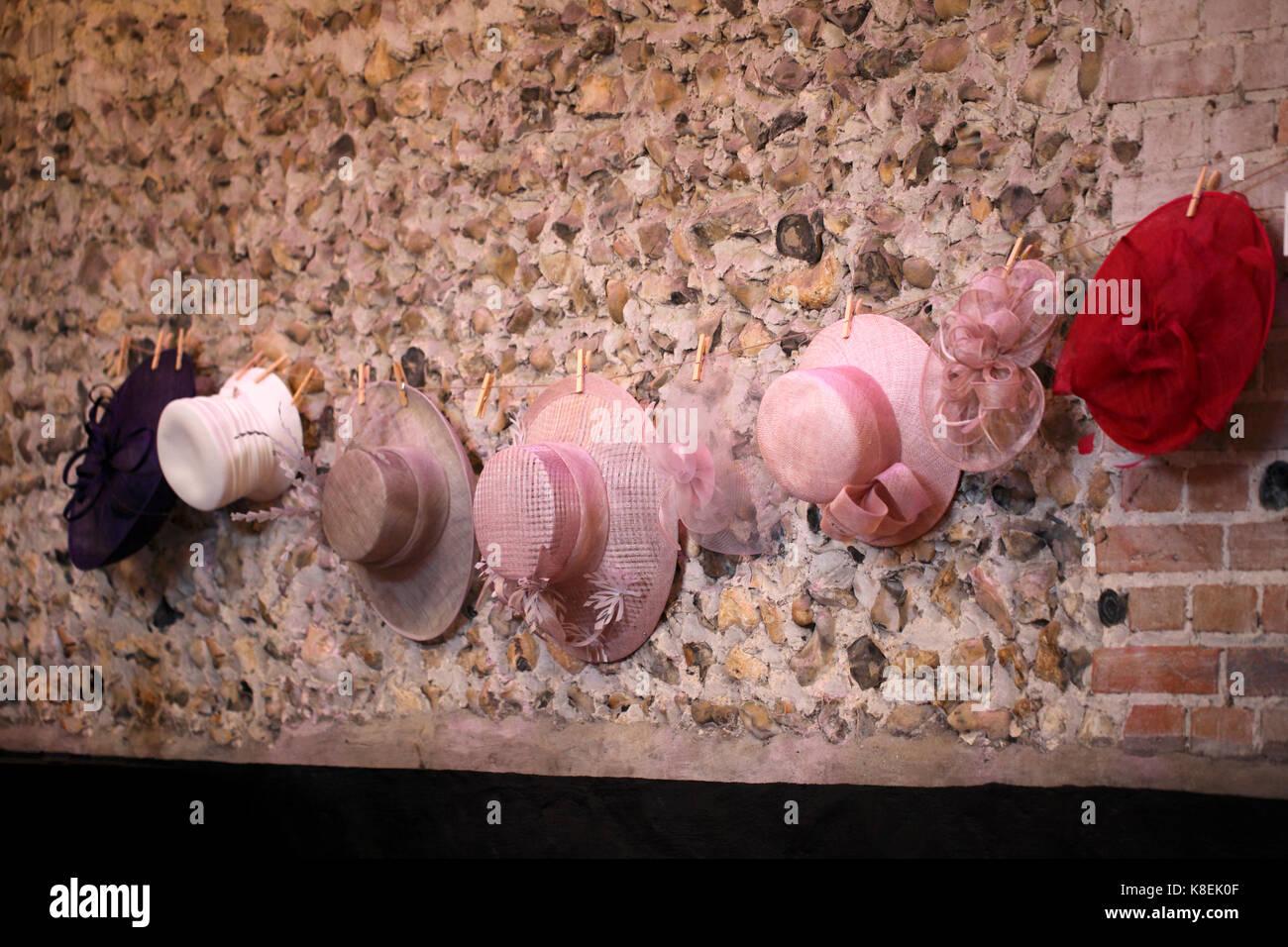 Wedding Hats Stock Photos & Wedding Hats Stock Images - Alamy