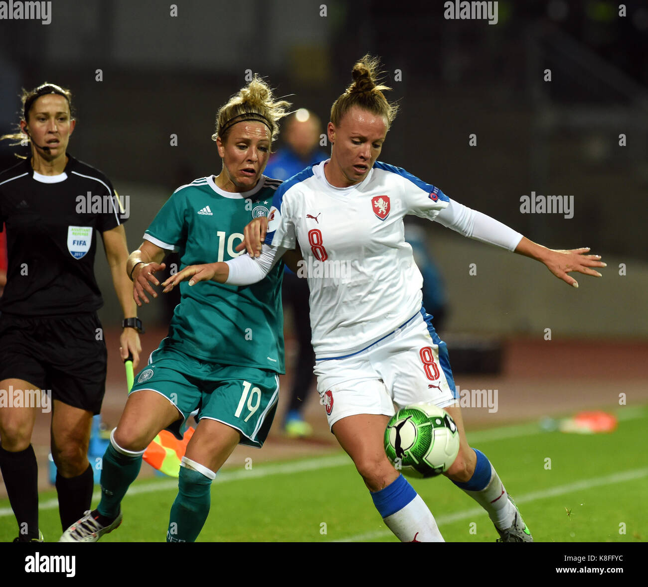 Usti Nad Labem, Czech Republic. 19th Sep, 2017. From right Czech JANA SEDLACKOVA and SVENJA HUTH of Germany in action - Stock Image