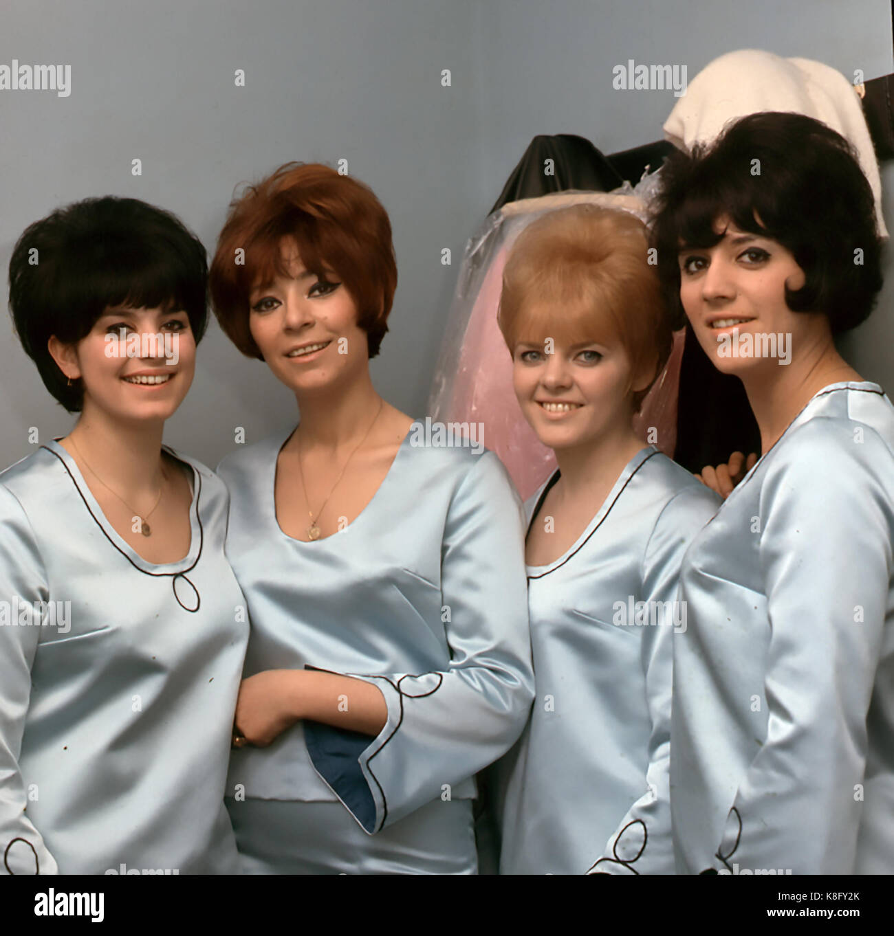 GOLDIE AND THE GINGERBREADS  US pop group in March 1965 with Goldie Zelkowitz second from left - Stock Image