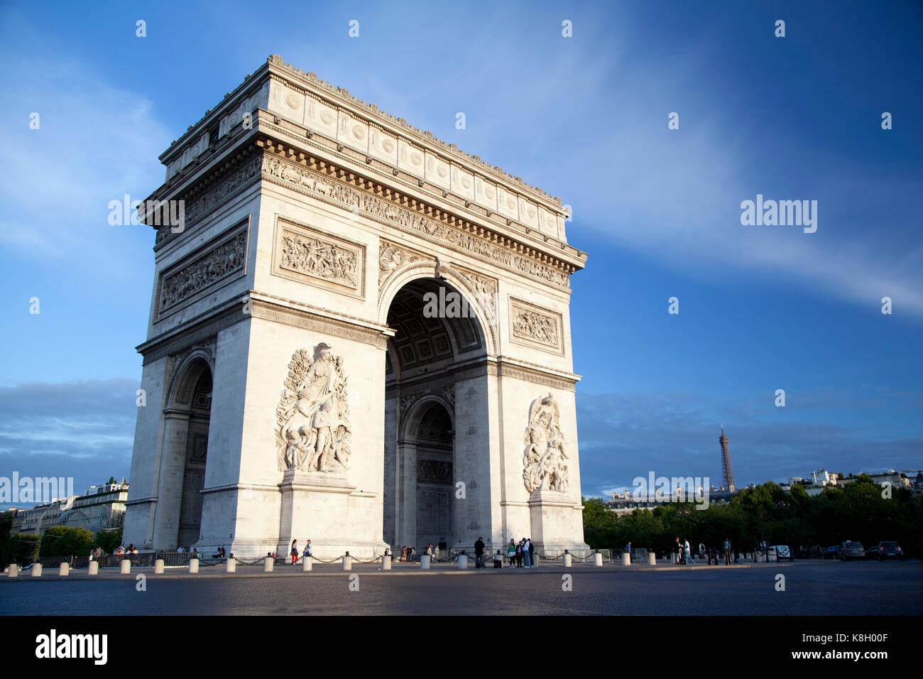 France, Paris, the Arc de Triomphe at sunset. - Stock Image