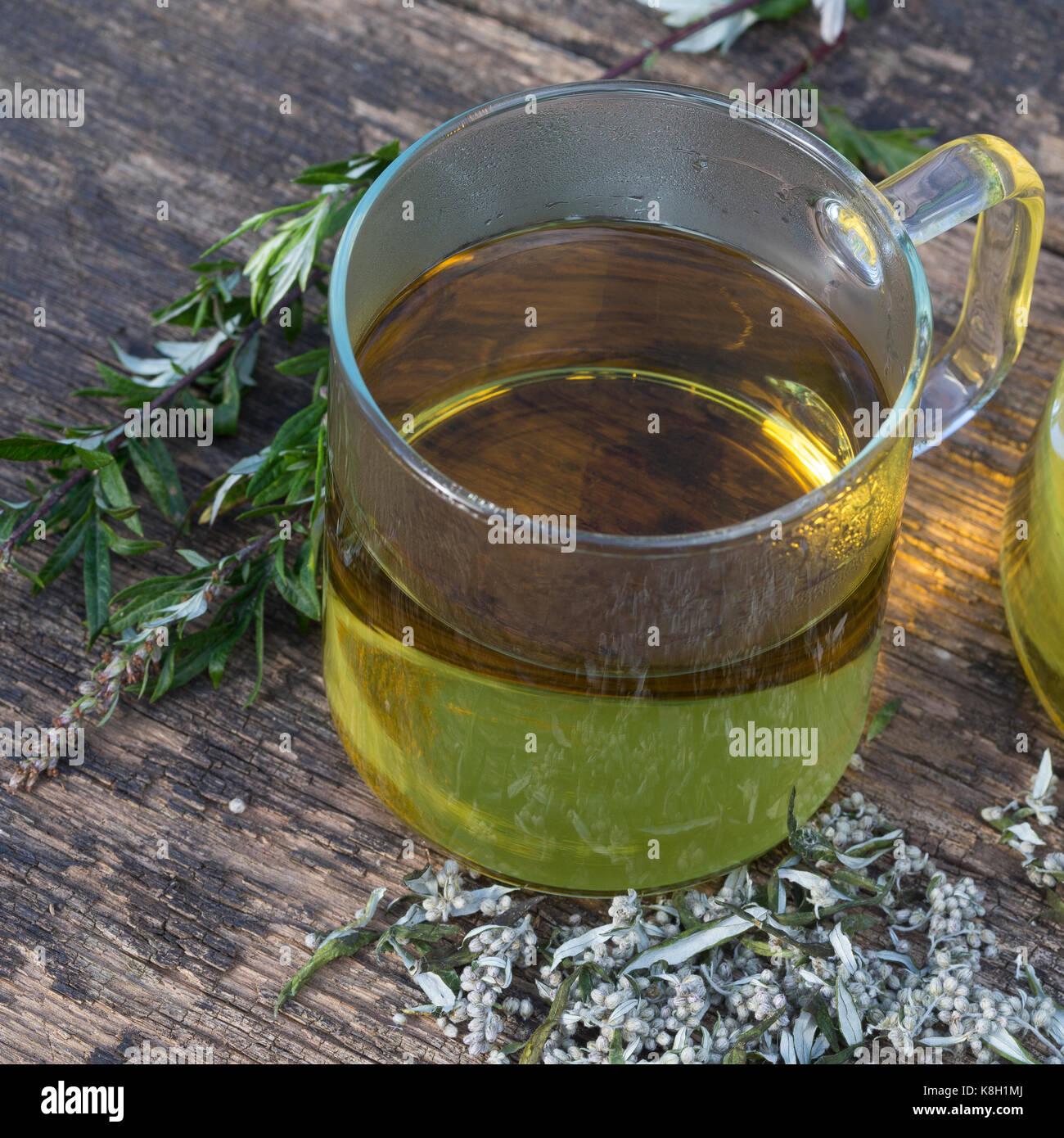 Beifuss-Tee, Beifusstee, Tee, Kräutertee, Heiltee