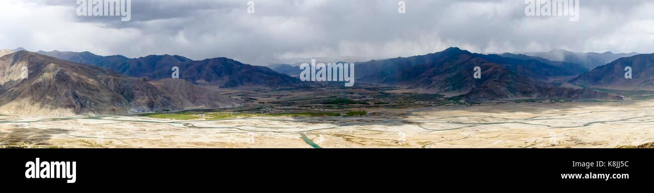 Panoramic view of lhassa river - Tibet - Stock Image