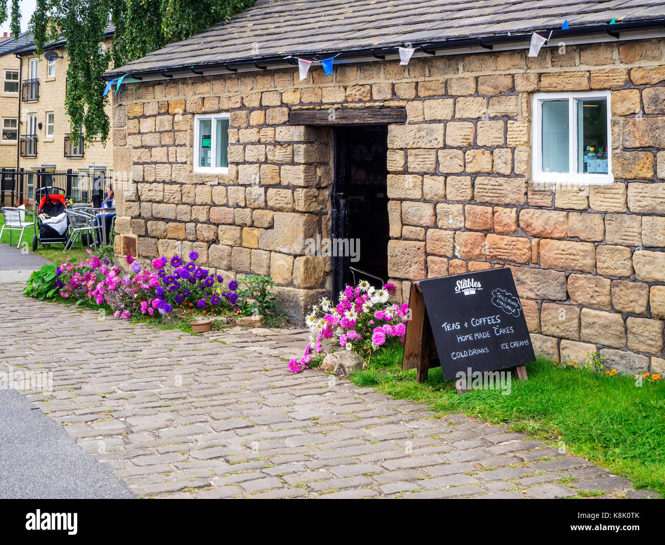Cafe by the Leeds and Liverpool Canal at Oddy Locks Leeds West Yorkshire England - Stock Image