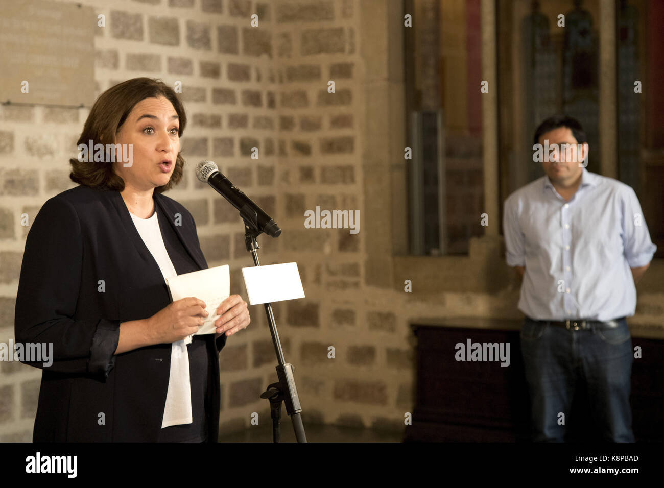 Barcelona's Mayoress Ada Colau (L), delivers a statement on the organization of the Catalan independence referendum - Stock Image