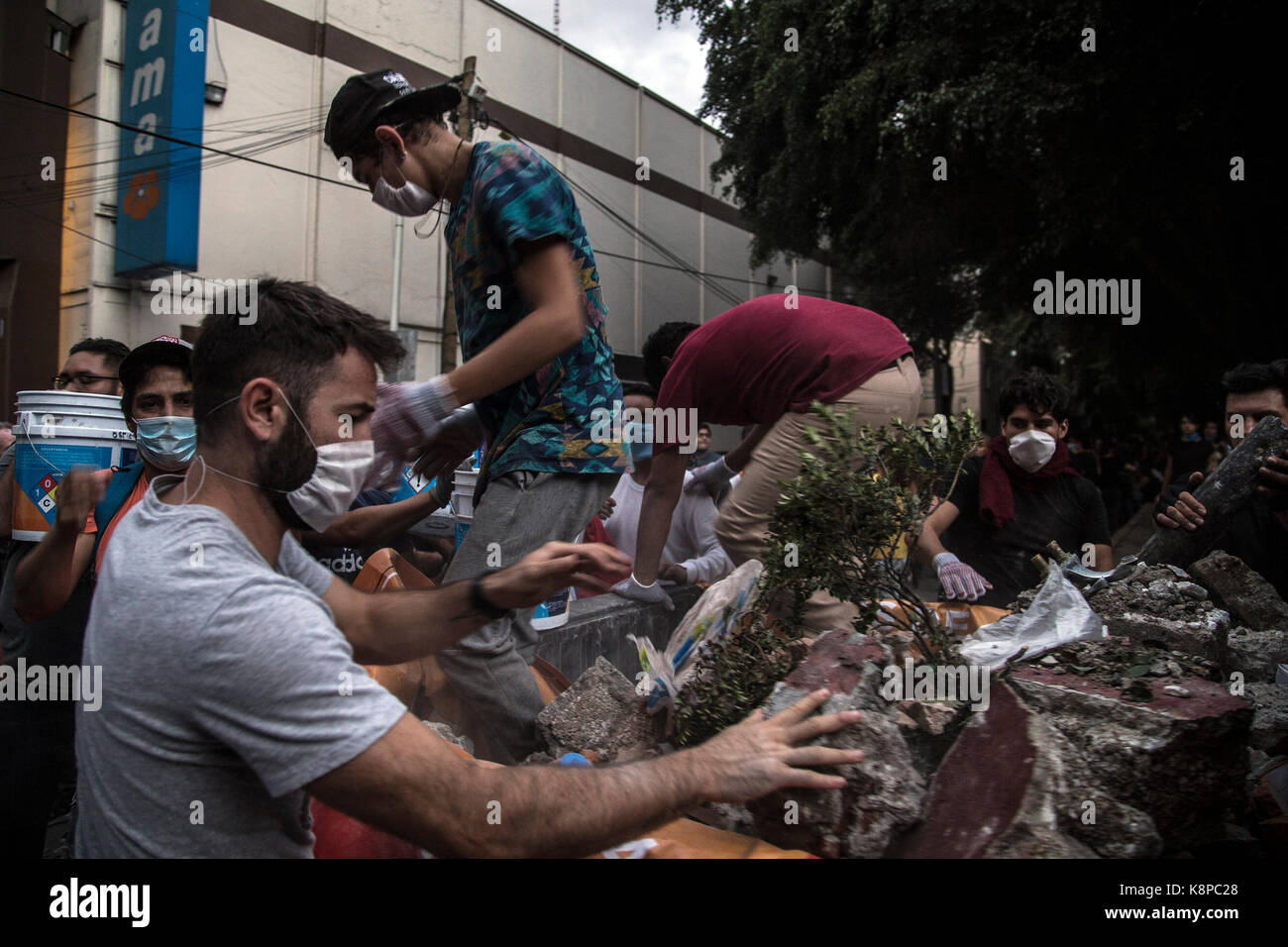 Mexico City, Mexico. 20th Sep, 2017. More than 220 dead by the powerful earthquake of magnitude 7,1 that shook the - Stock Image