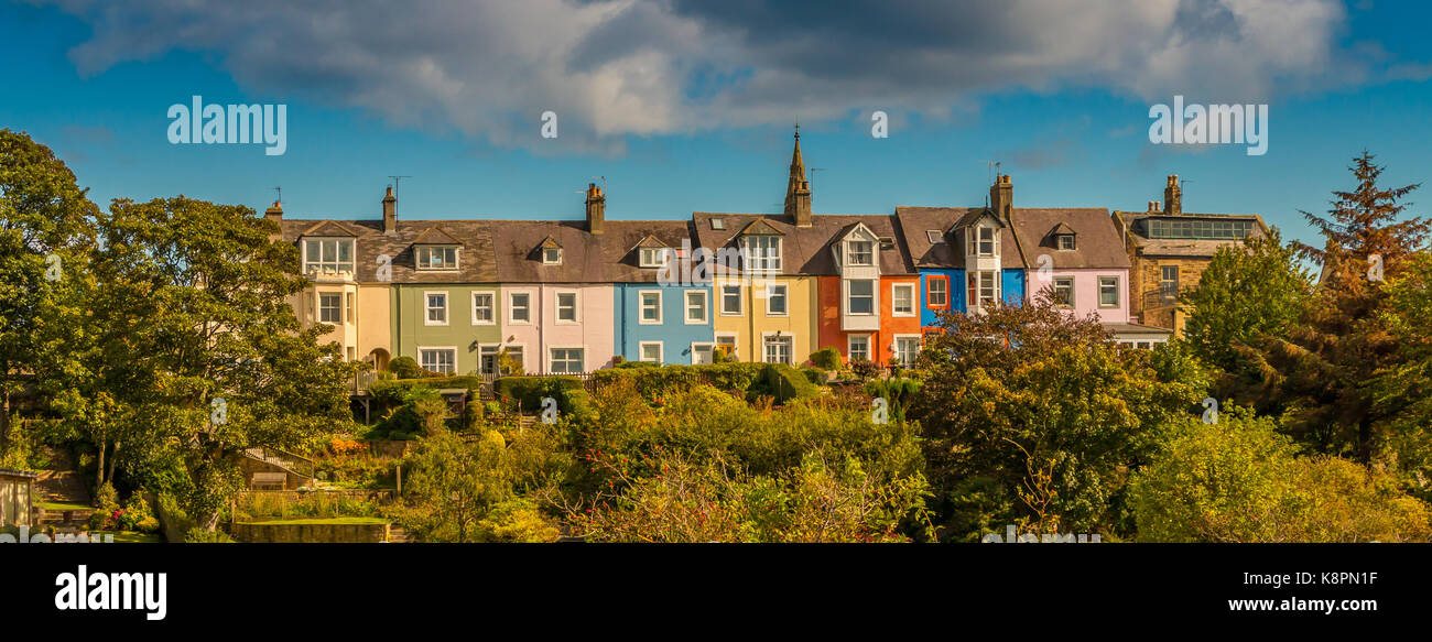 Northumberland coast, a row of colourful cottages in the seaside village of  Alnmouth September 2017 - Stock Image