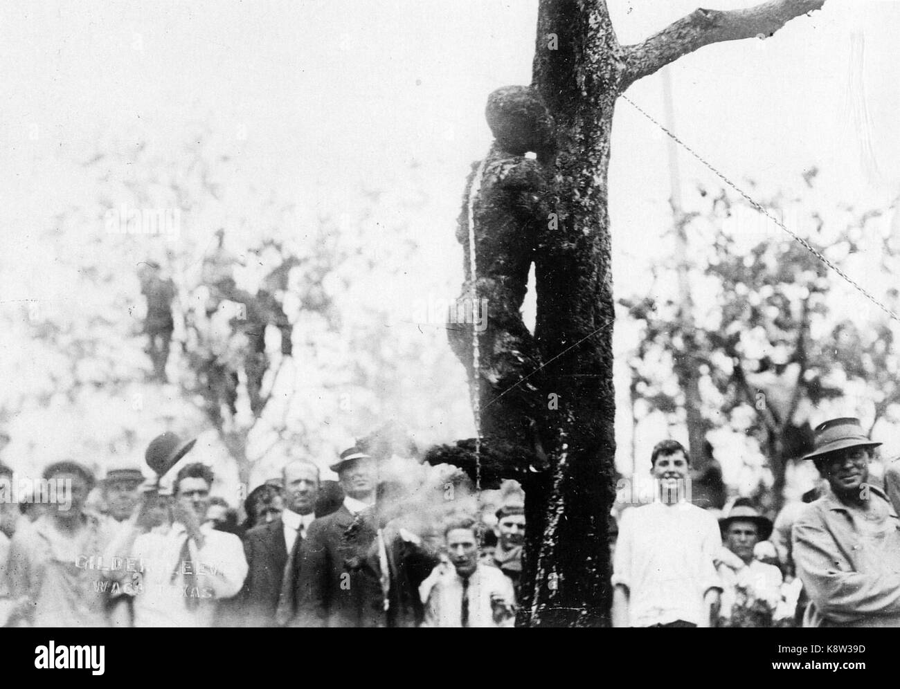 JESSE WASHINGTON Crowd watching the burnt body of the 18 year old Afro-American after his torture and lynching at - Stock Image