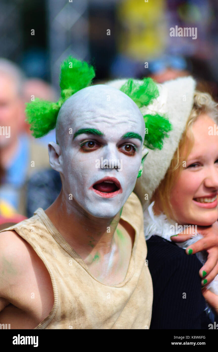 Mime artist with facial expression on the Royal Mile during the Edinburgh International Fringe Festival, Scotland, - Stock Image