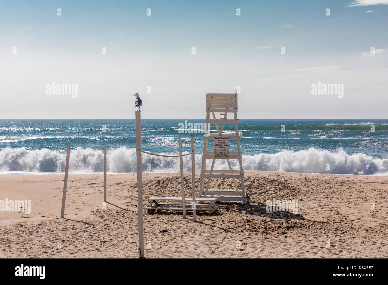 empty life guard stand on an east hampton beach in eastern long island, ny Stock Photo