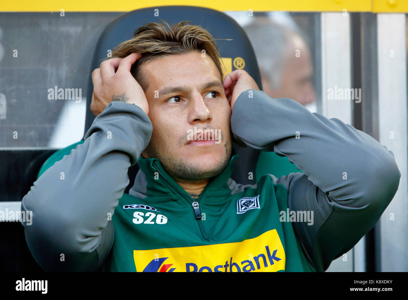 sports, football, Bundesliga, 2017/2018, Borussia Moenchengladbach vs VfB Stuttgart 2:0, substitutes bench, Raul Stock Photo