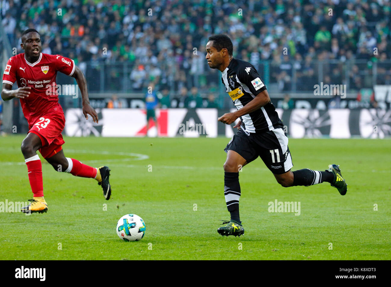 sports, football, Bundesliga, 2017/2018, Borussia Moenchengladbach vs VfB Stuttgart 2:0, scene of the match, Raffael - Stock Image