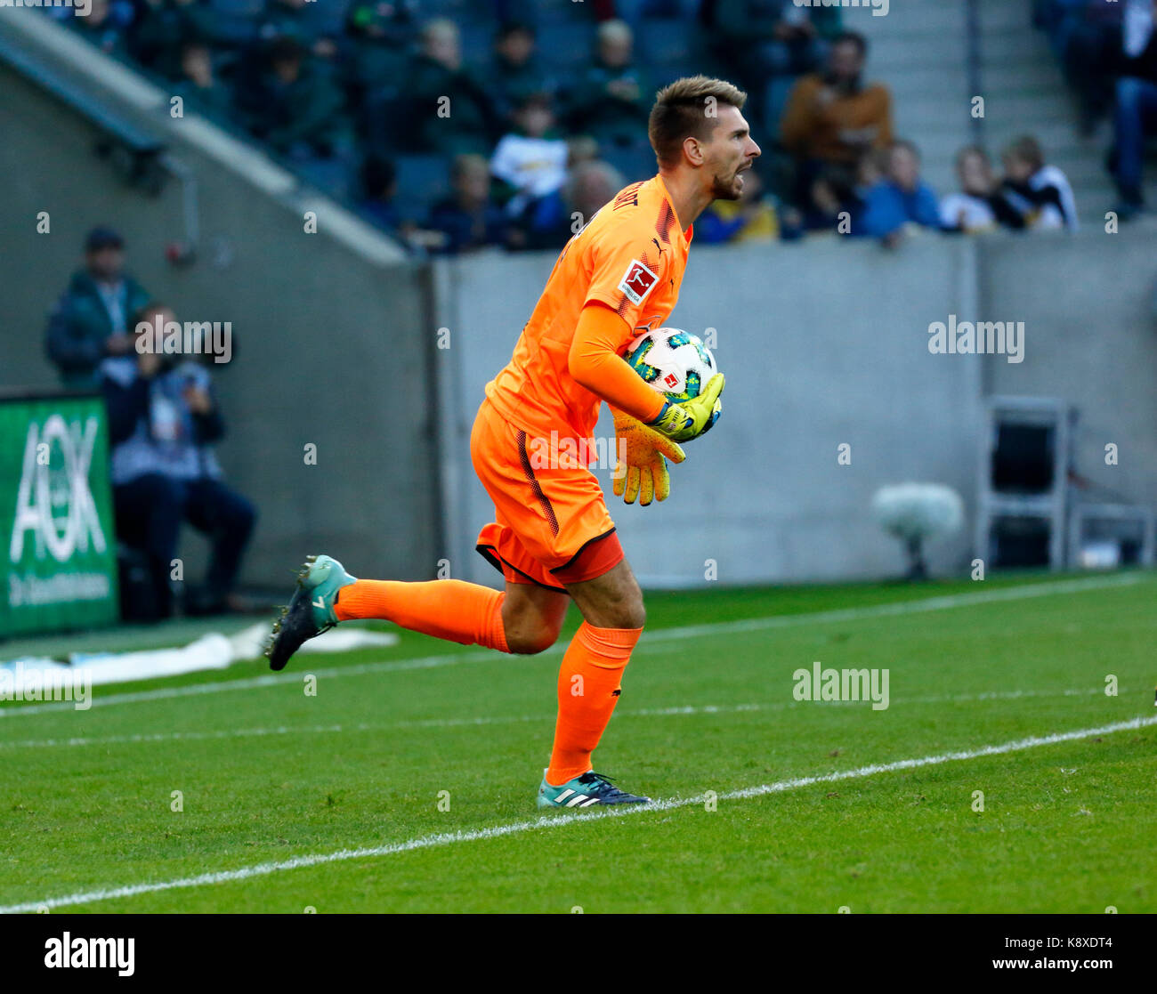 sports, football, Bundesliga, 2017/2018, Borussia Moenchengladbach vs VfB Stuttgart 2:0, scene of the match, keeper Stock Photo