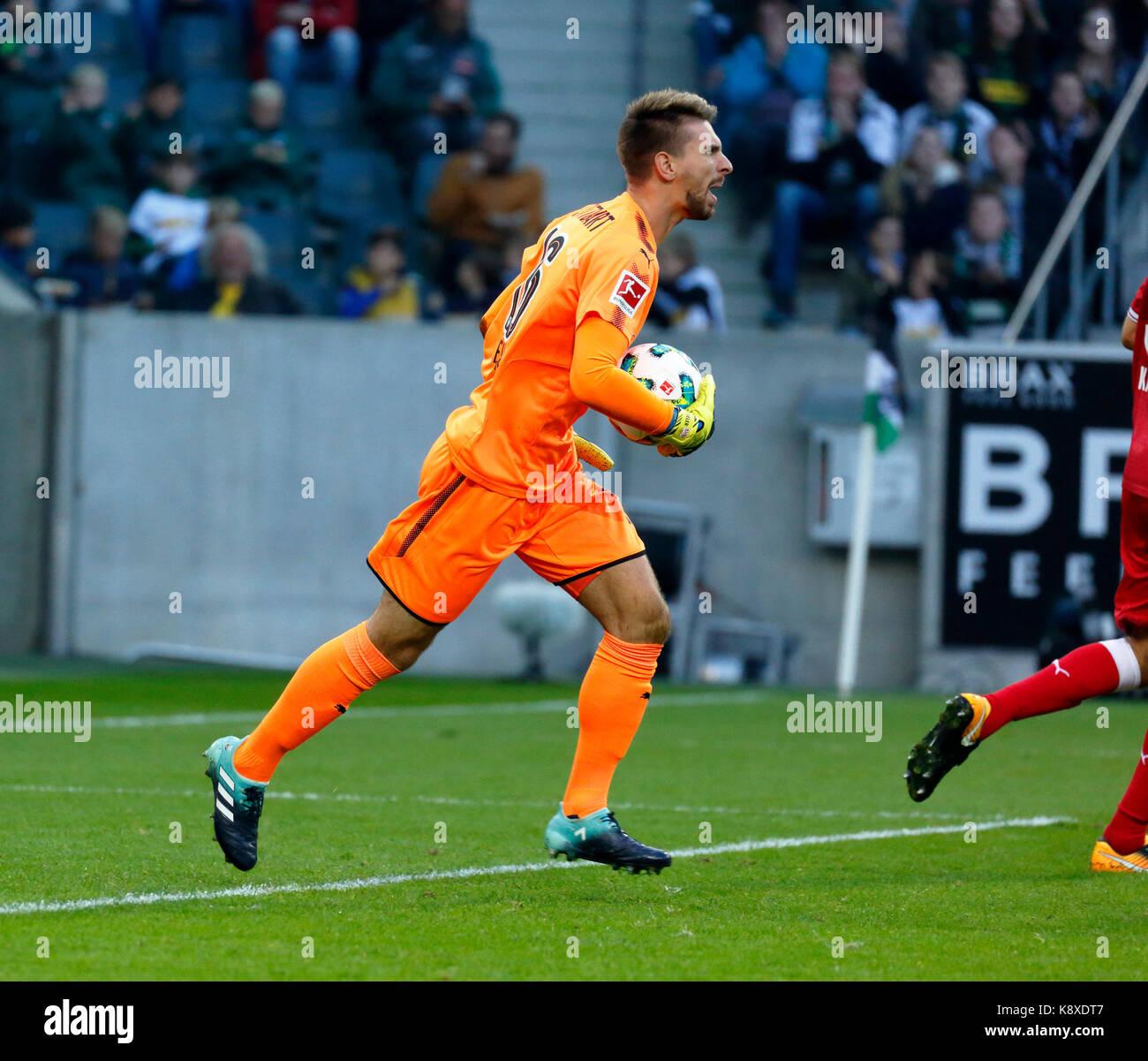 sports, football, Bundesliga, 2017/2018, Borussia Moenchengladbach vs VfB Stuttgart 2:0, scene of the match, keeper - Stock Image