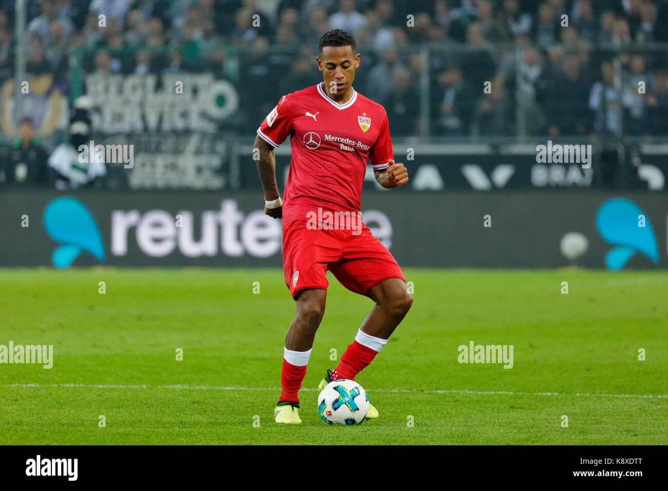 sports, football, Bundesliga, 2017/2018, Borussia Moenchengladbach vs VfB Stuttgart 2:0, scene of the match, Dennis - Stock Image