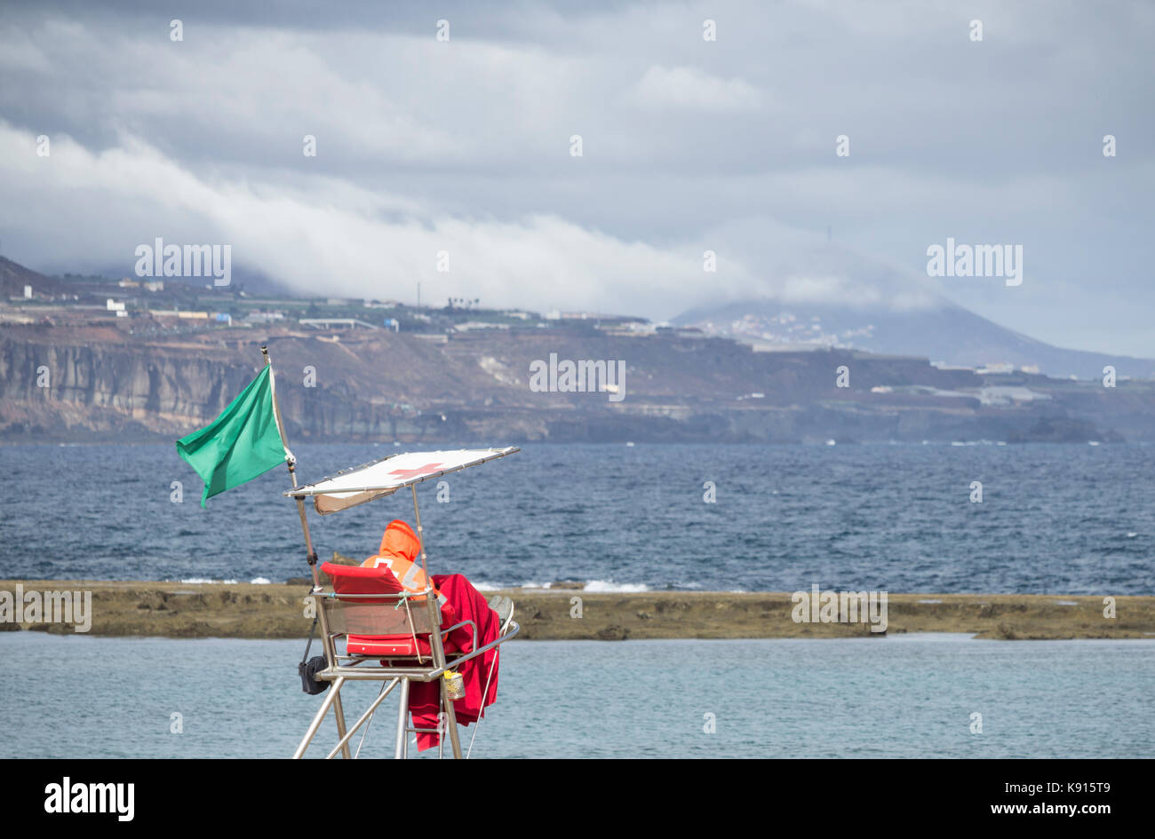Las Palmas, Gran Canaria, Canary Islands, Spain. 21st September, 2017. Weather: A lifeguard on the city beach in - Stock Image