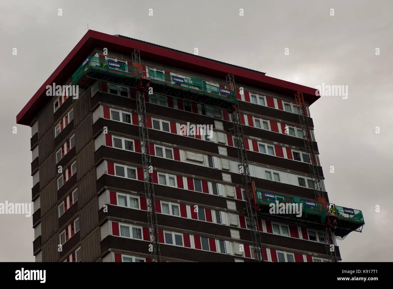 Belfast, UK. 21st Sep, 2017. Belfast, Falls, Road, 21st September 2017. The Northern Ireland Housing Executive (NIHE) - Stock Image