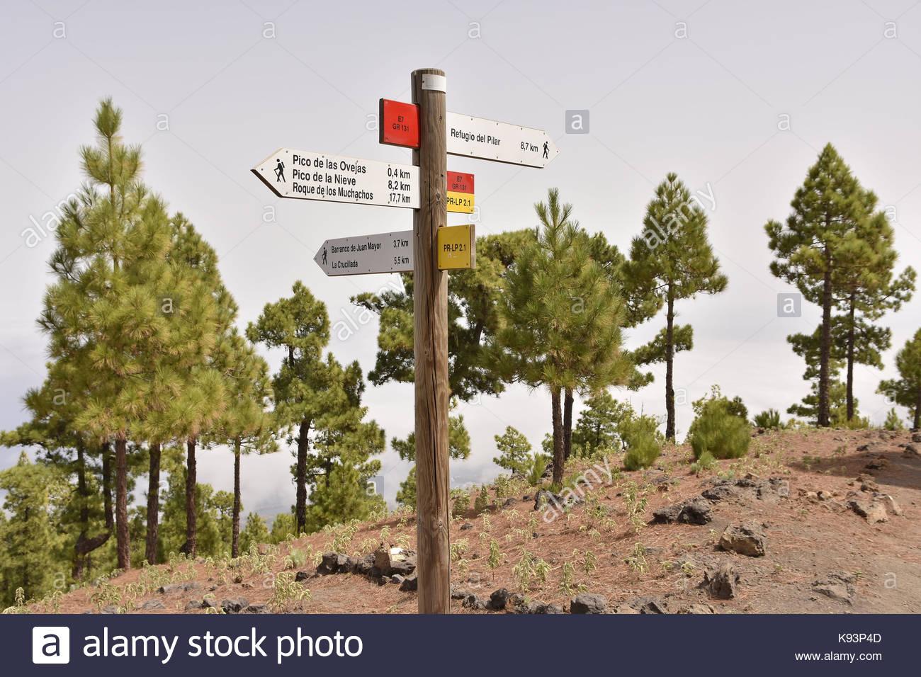 Ruta de la Cresteria hiking path direction signs, Caldera de Taburiente National Park La Palma Canary Islands. - Stock Image