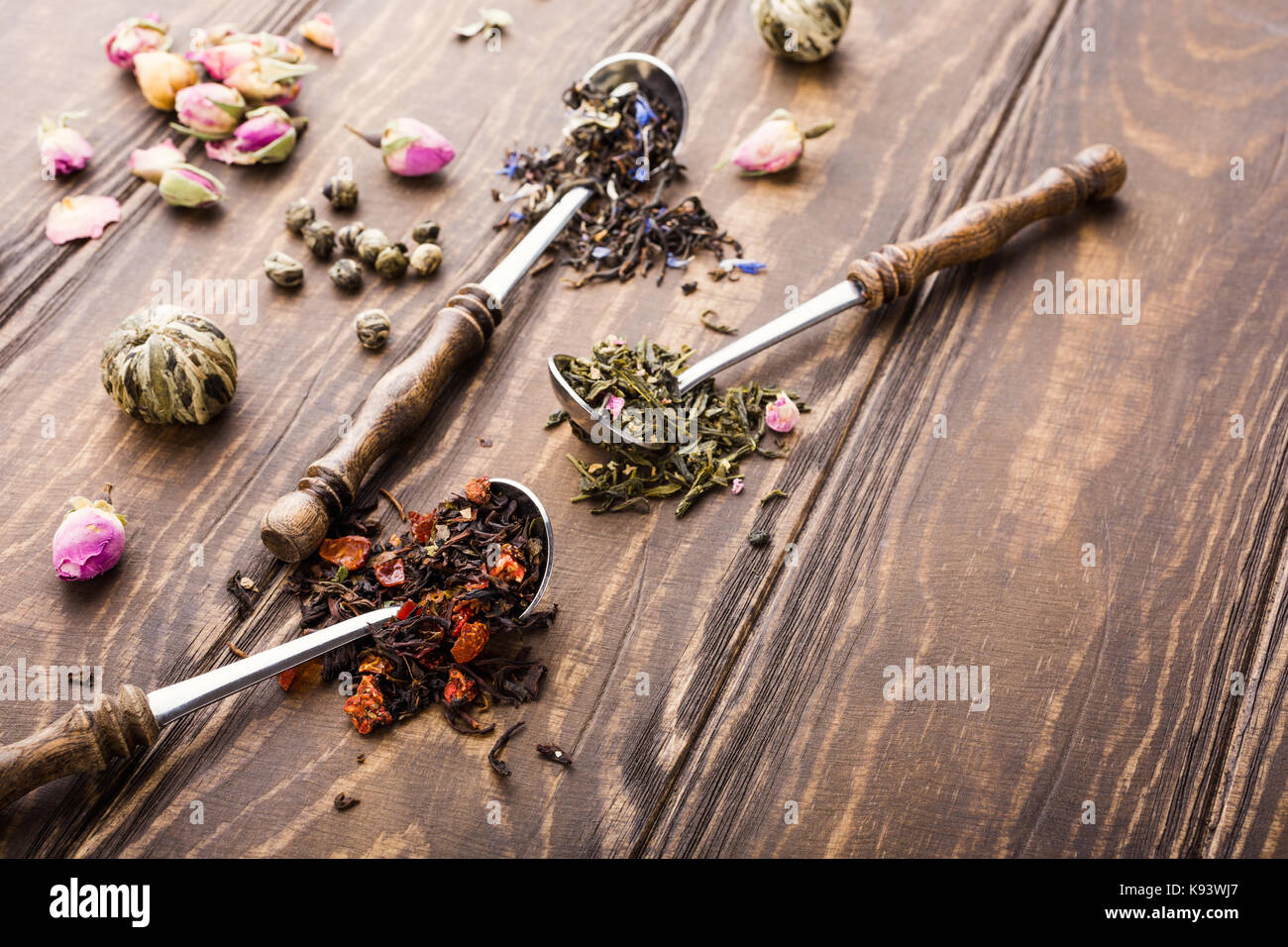 Background with different types of tea leaves - Stock Image
