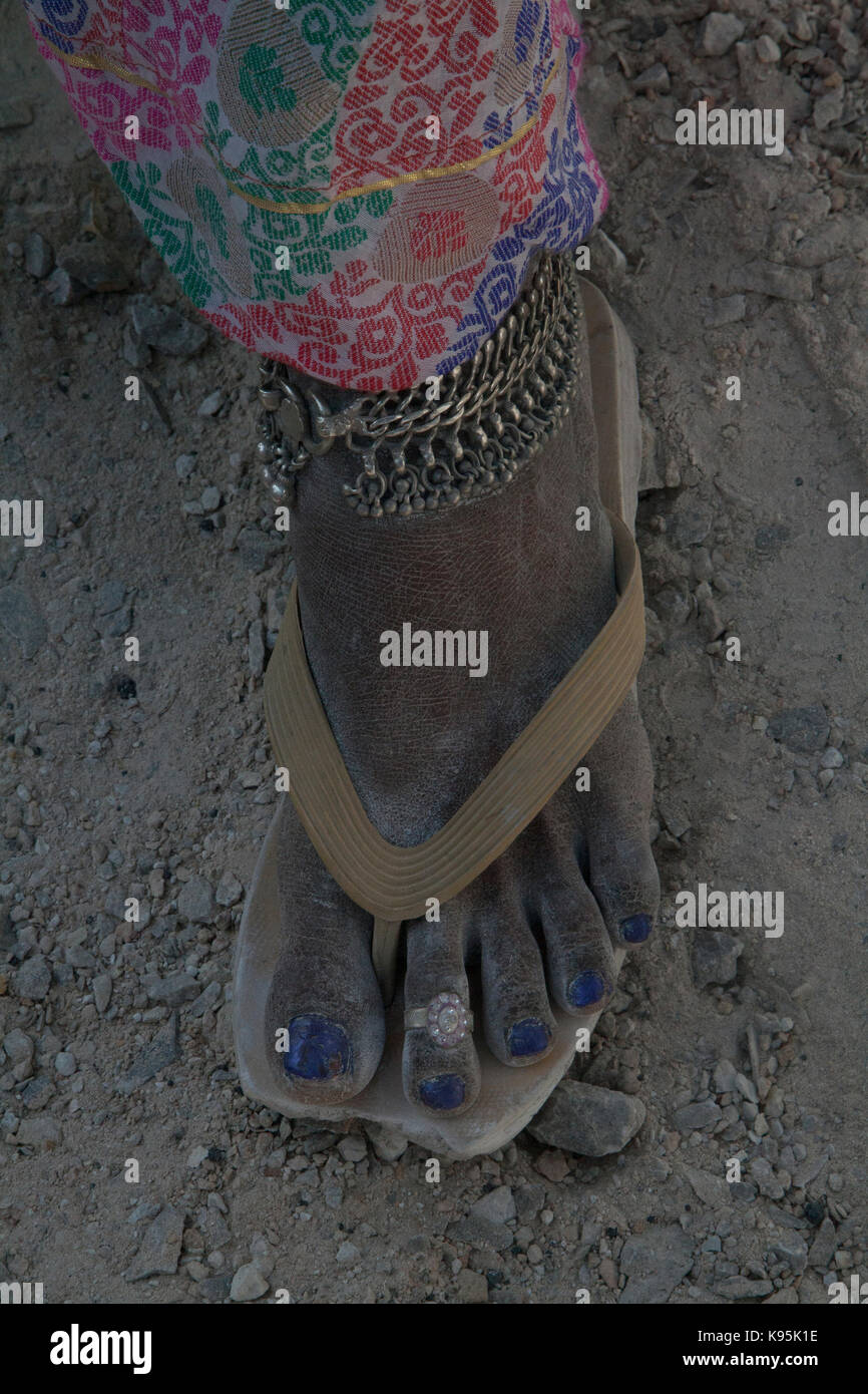 india mothers ankle against babies bare pradesh anklet andhra with feet bracelets indian bracelet photo toddler stock sari