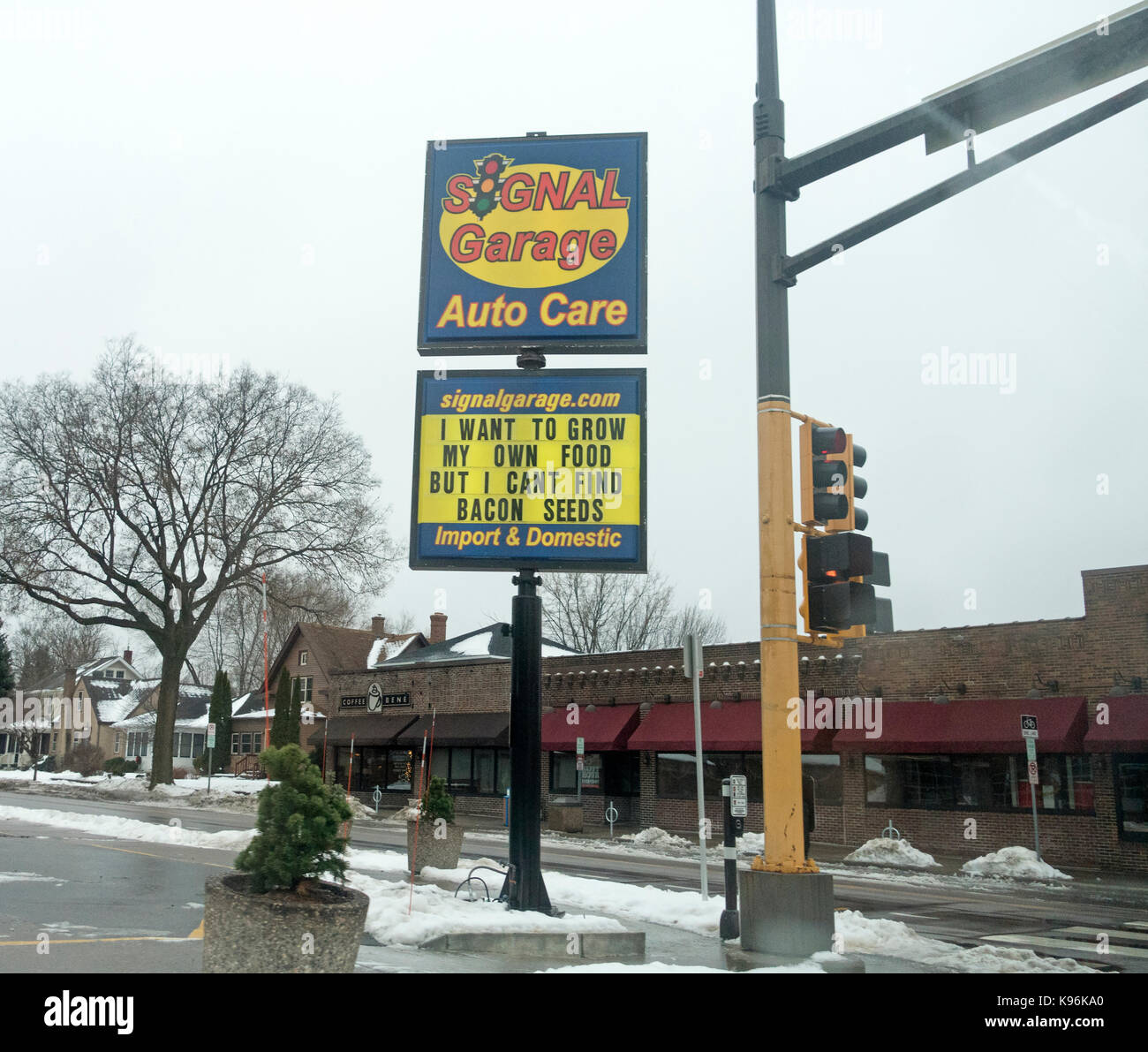 Sign with the quotation 'I want to grow my own food but I can't find bacon seeds'. St Paul Minnesota - Stock Image
