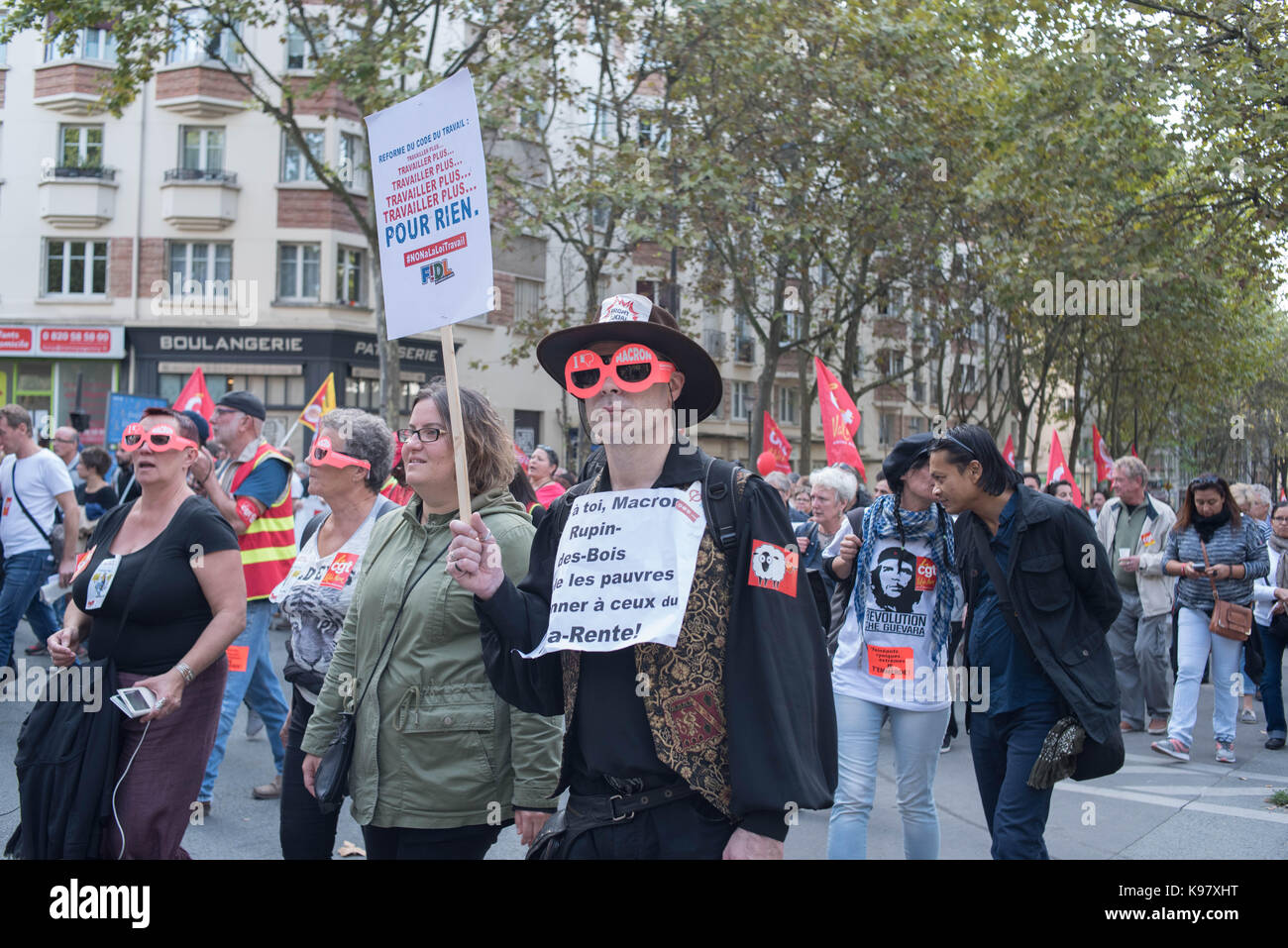 Manifestation In Paris Against The XXL Labor Law Stock Photo Alamy