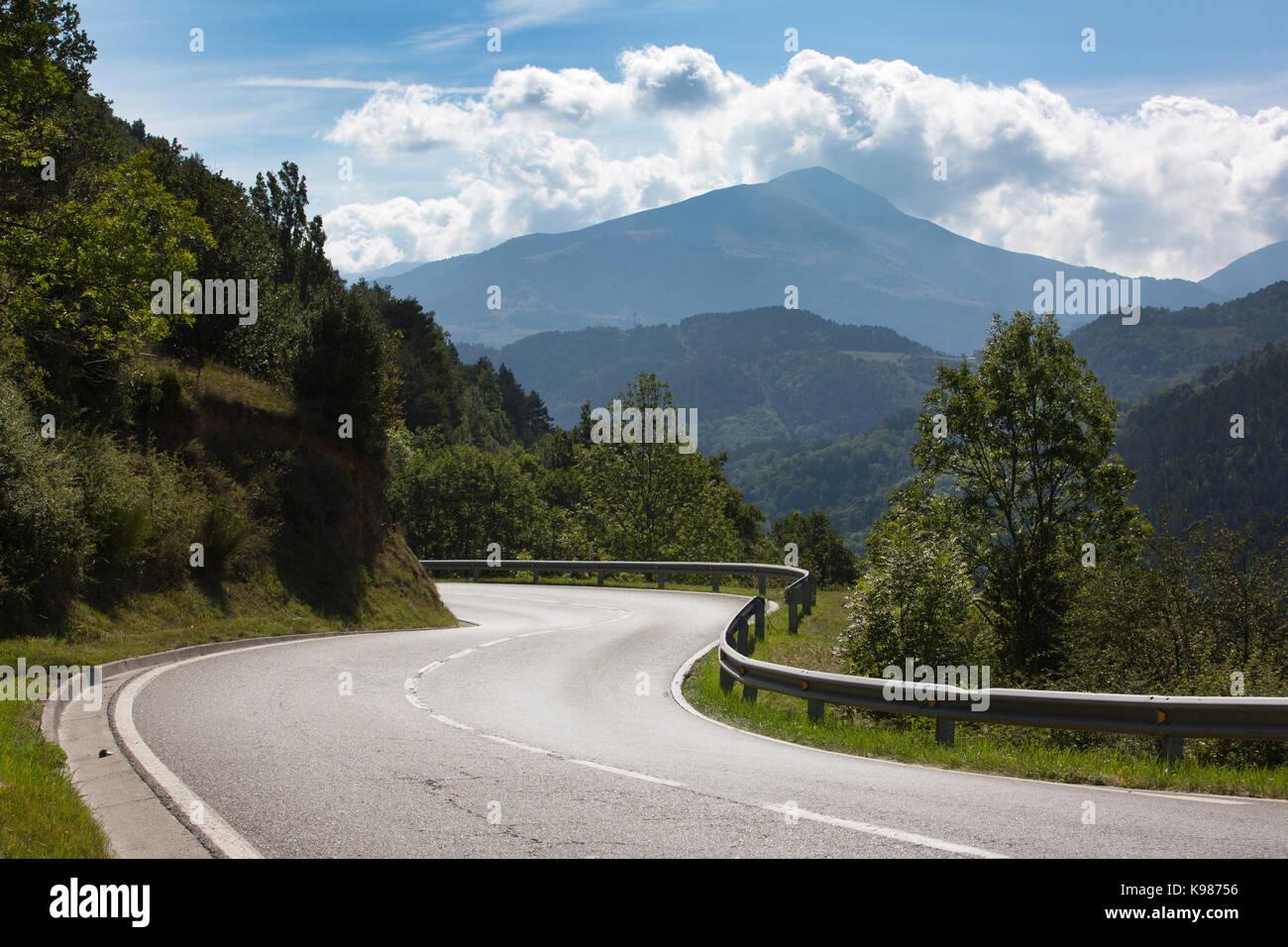 Tena Valley within the Aragonese Pyrenees mountain range, Catalan Pyrenees, Spain, Europe - Stock Image