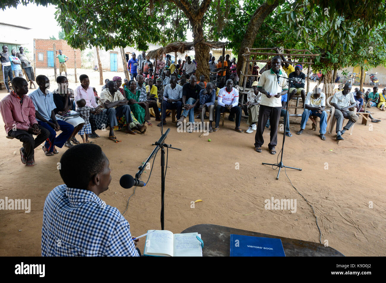 UGANDA, Arua, Radio Pacis, recording programme community voices in village Onduparaka, villagers speak about problems, - Stock Image