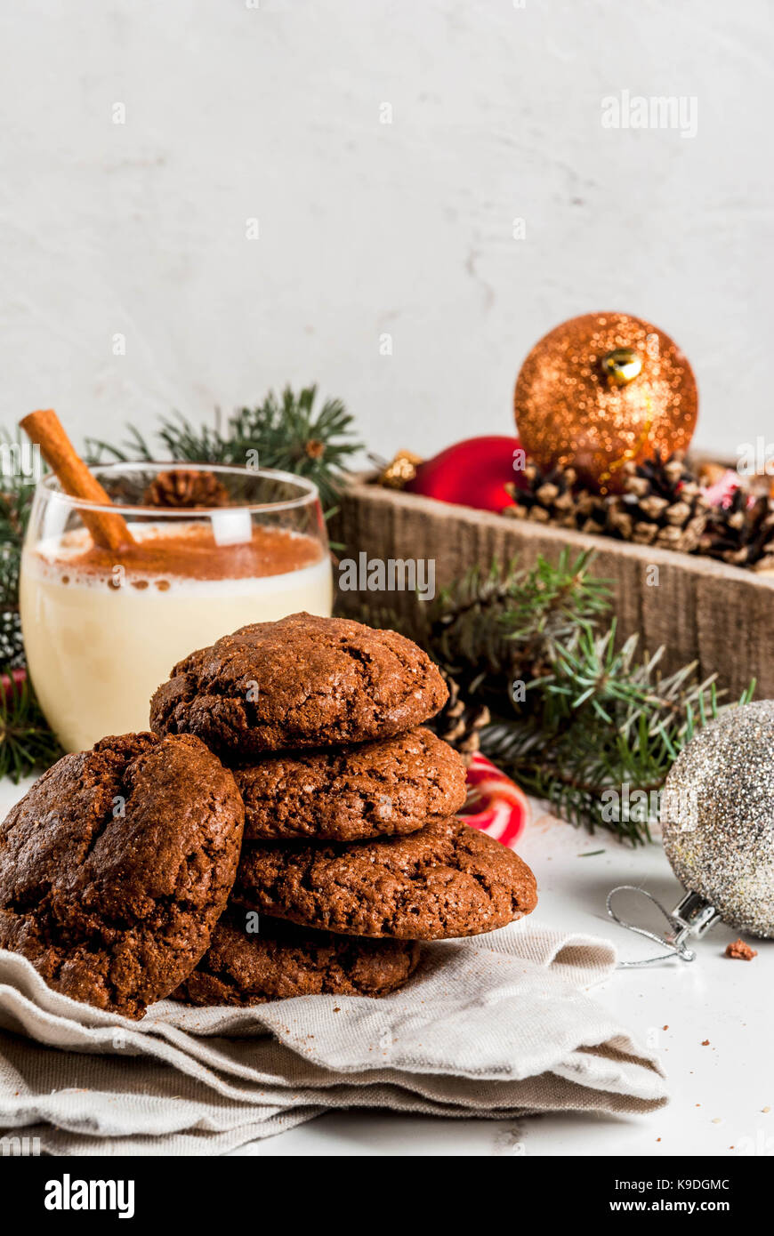 Chocolate Crinkle Cookies For Christmas With Eggnog Cocktail Candy