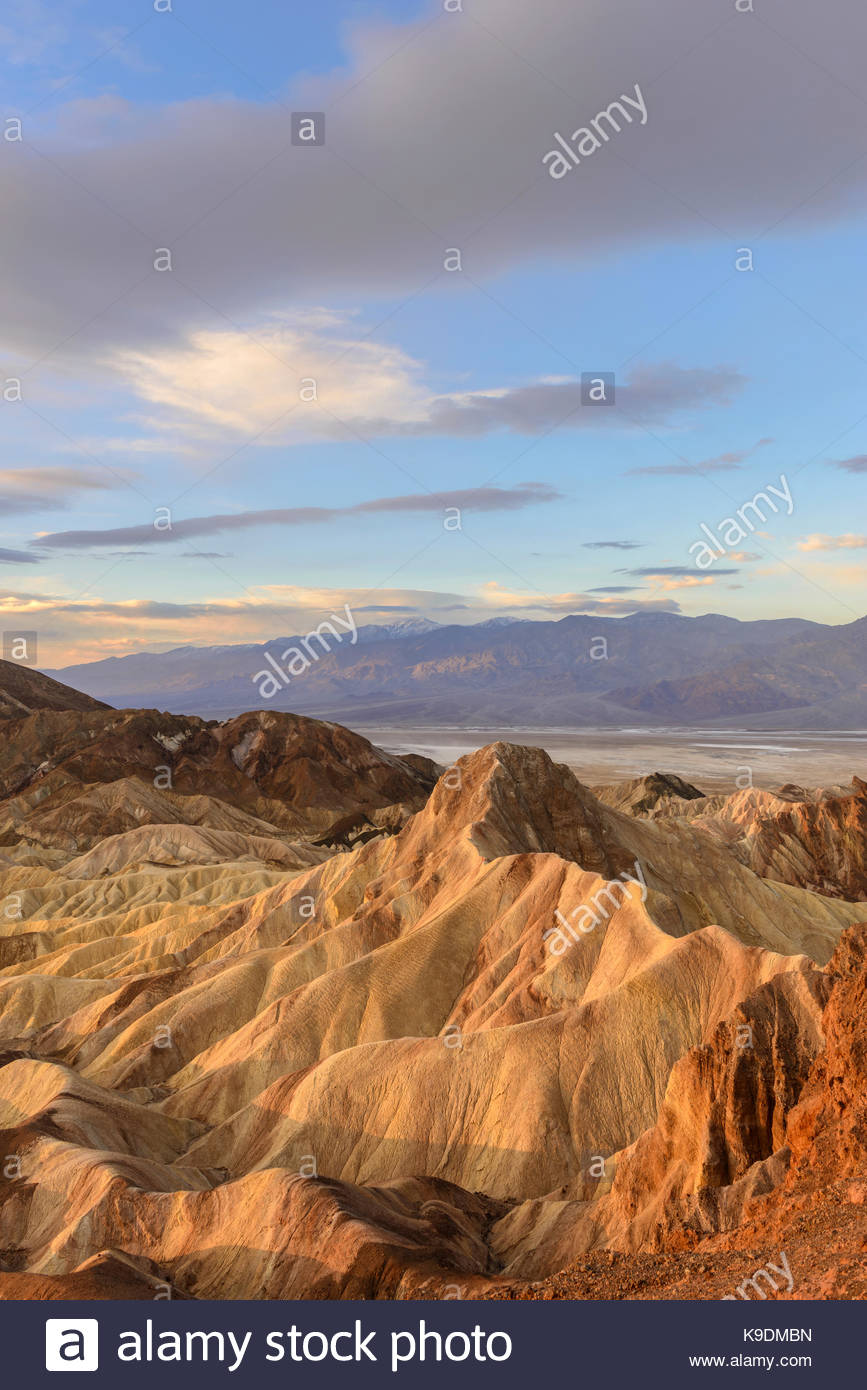 Manley Beacon and Clouds at Dawn, Death Valley National Park, California - Stock Image