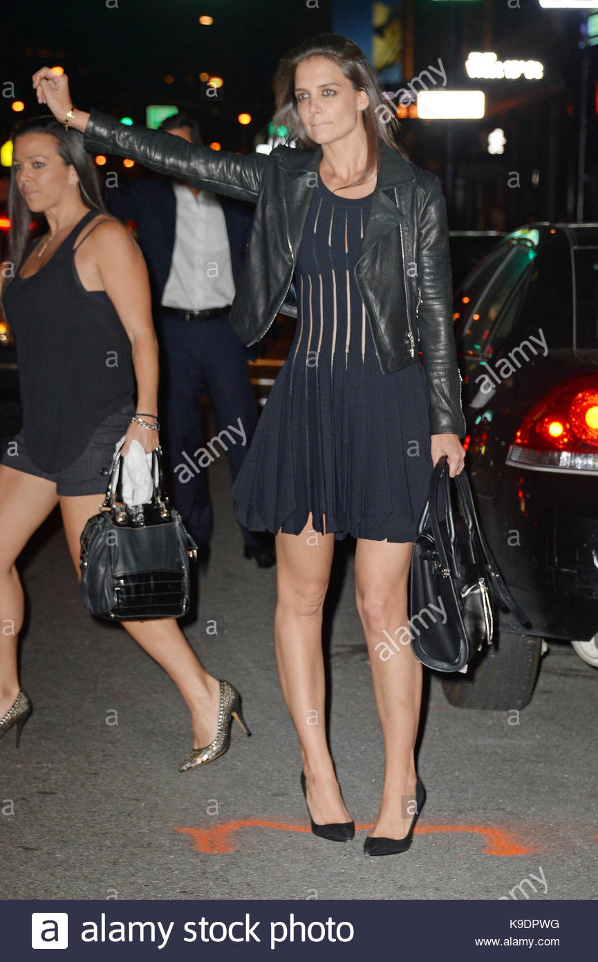 Katie Holmes. Katie Holmes seen leaving Tao restaurant, she leaves her limo at the restaurant and decides to take - Stock Image