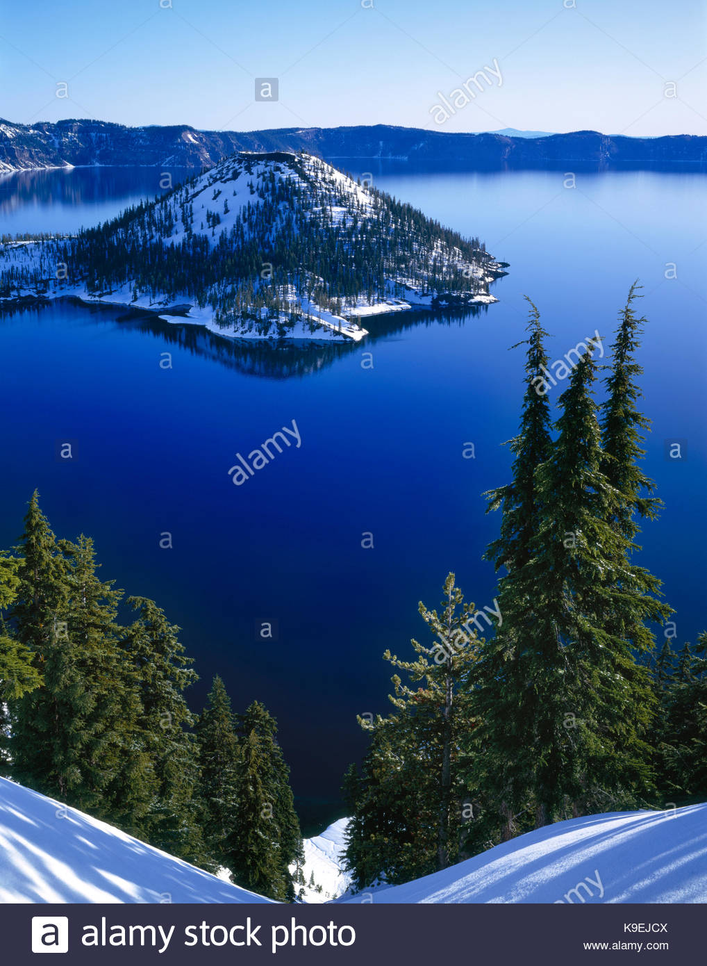 Wizard Island in Winter, Crater Lake National Park, Oregon - Stock Image