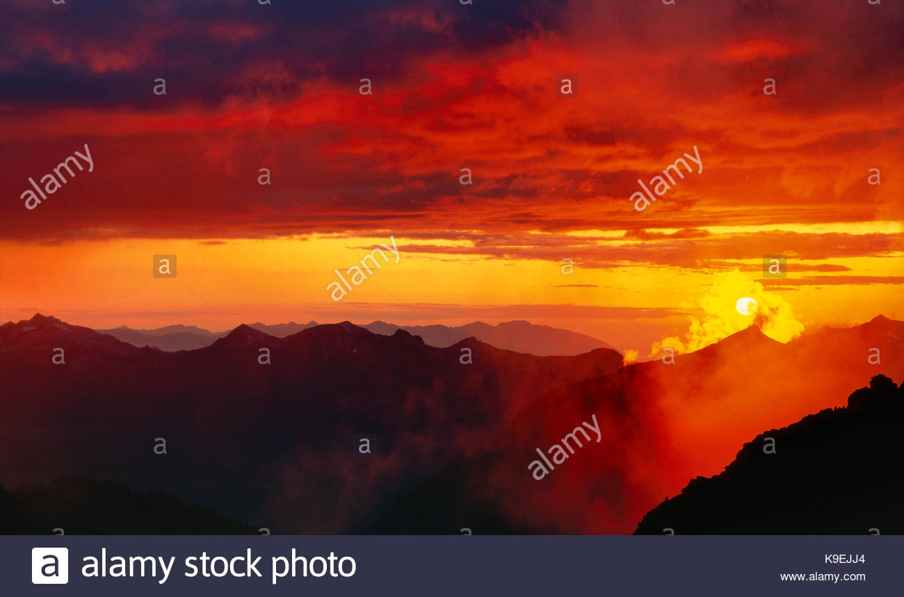Setting Sun From the Base of Sahale Glacier, North Cascades National Park, Washington Stock Photo