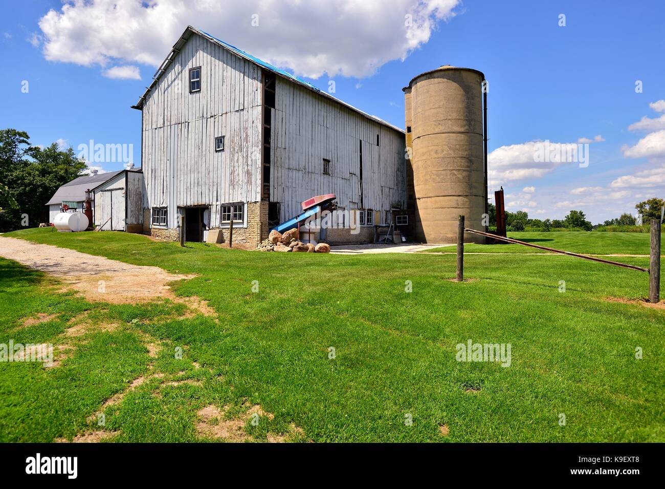 A vintage barn in northeastern Illinois. The design and barn date back to the 19th century. St. Charles, Illinois, - Stock Image