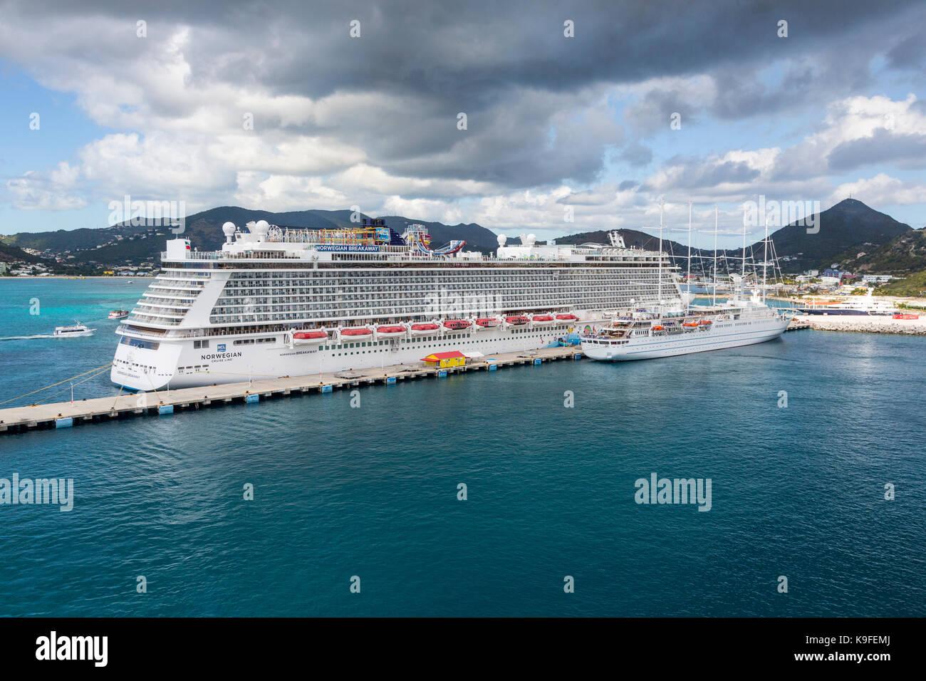 Philipsburg, Sint Maarten.  Norwegian Breakaway Cruise Liner alongside Pier.   FOR EDITORIAL USE ONLY. - Stock Image
