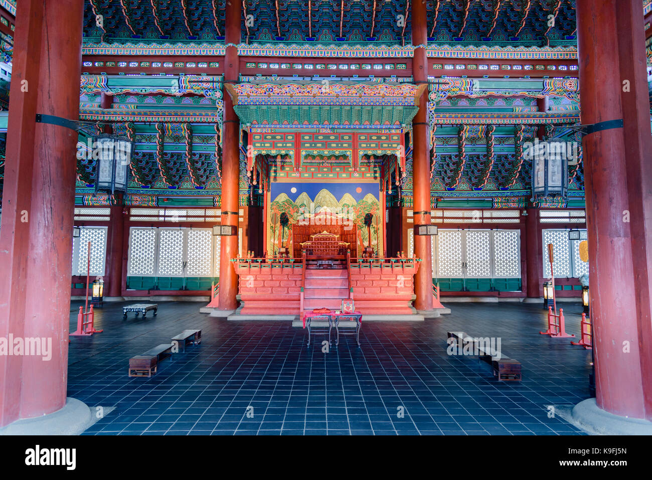 Palace architecture, the interiors of Geunjeongjeon in Gyeongbok palace in South Korea - Stock Image