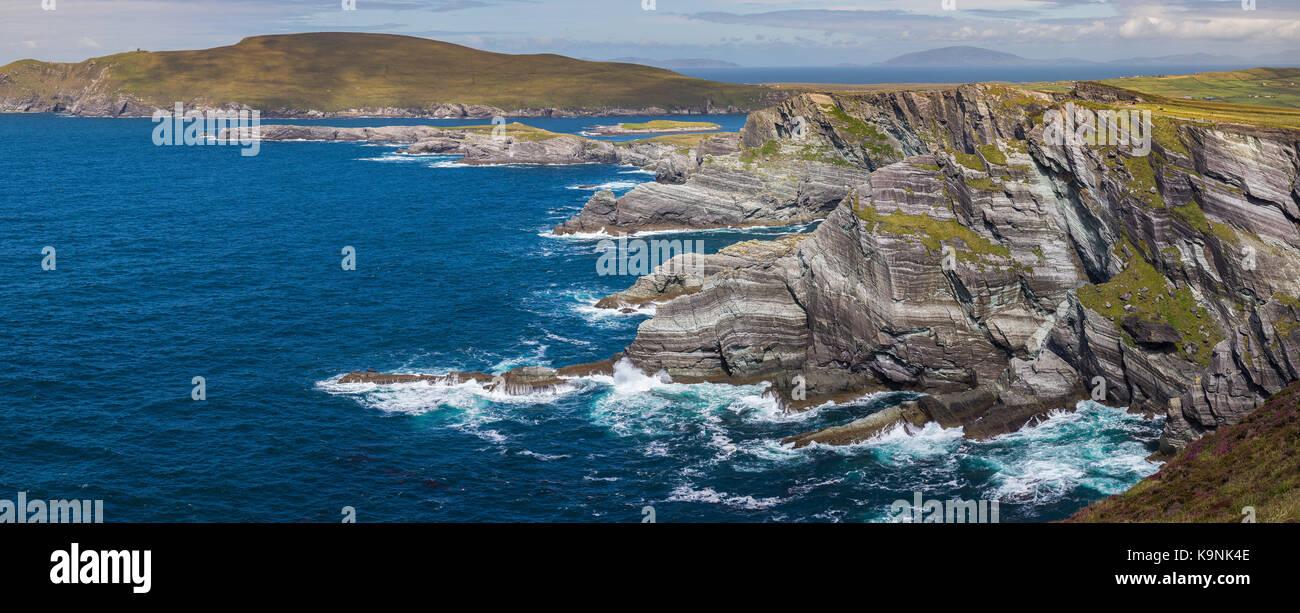 The Irish Coast on the Iveragh Peninsula in County Kerry, Ireland. - Stock Image