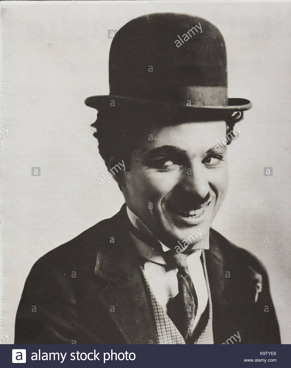 the life and comical career of charlie chaplin I want to say a word about chaplin's career, to give you a fuller sense of how swiftly he became an icon and how significant his example is for our understanding of the.