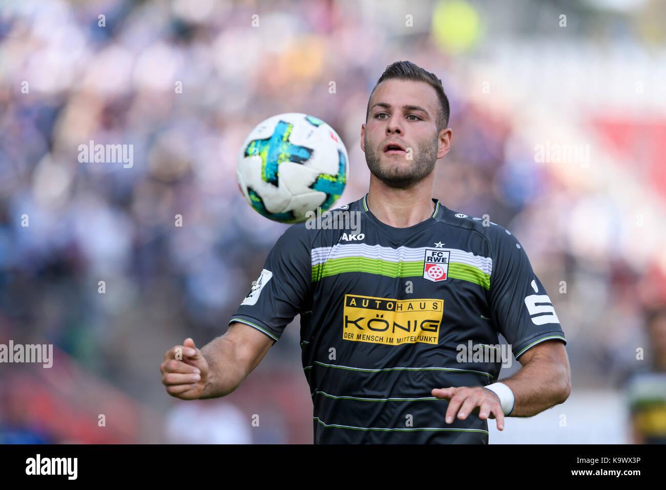 Karlsruhe, Deutschland. 24th Sep, 2017. Berkay Tolga Dabanli (RW) Einzelaktion, Freisteller. GES/ Fussball/ 3. Liga: - Stock Image