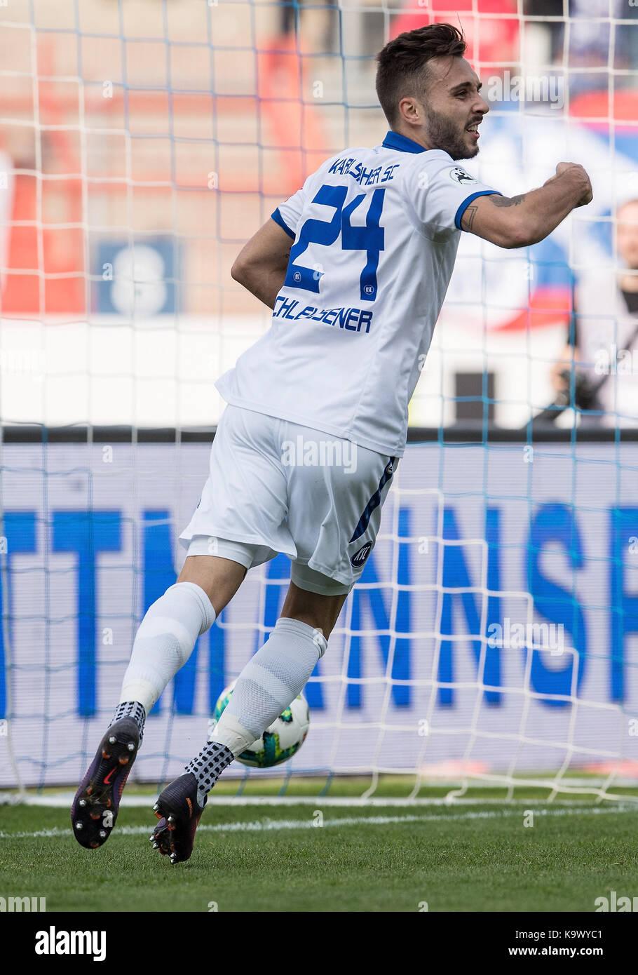 Jubel 2:0: Torschuetze Fabian Schleusener (KSC).  GES/ Fussball/ 3. Liga: Karlsruher SC - FC Rot-Weiss Erfurt, 24.09.2017 - Stock Image