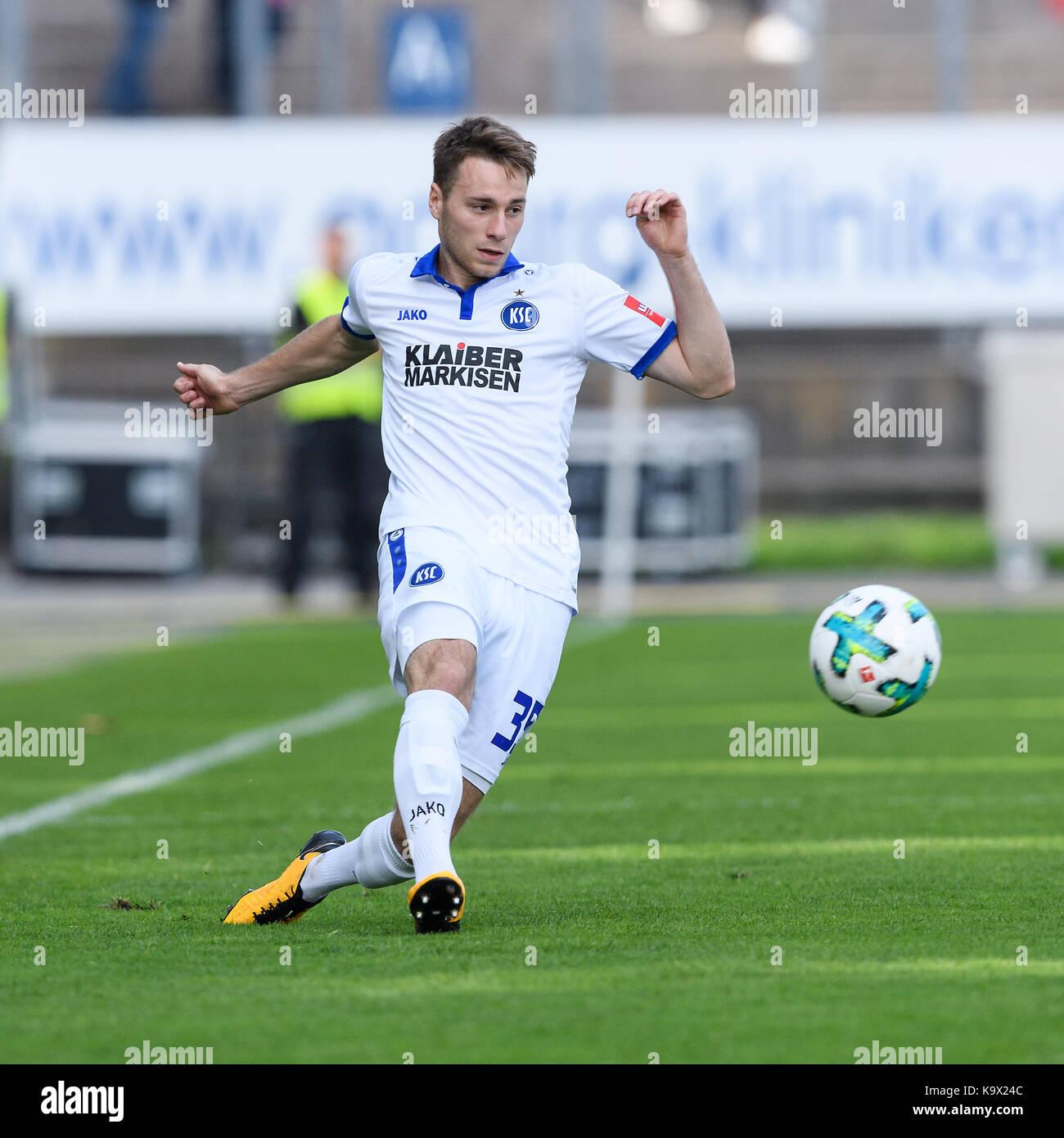 Karlsruhe, Deutschland. 24th Sep, 2017. Matthias Bader (KSC) Einzelaktion, Freisteller. GES/ Fussball/ 3. Liga: - Stock Image