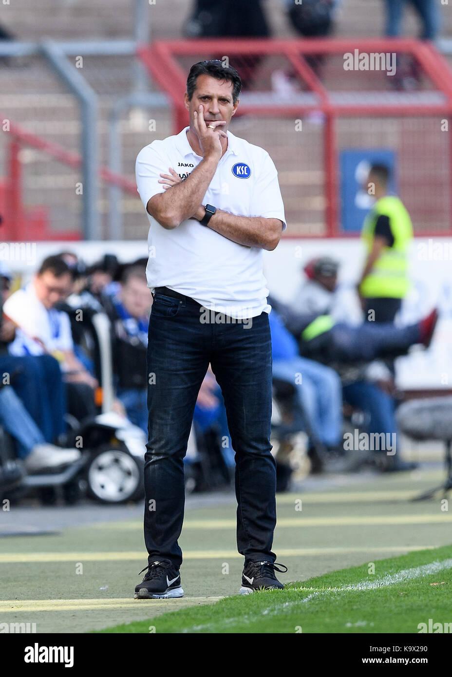 Karlsruhe, Deutschland. 24th Sep, 2017. Trainer Alois Schwartz (KSC). GES/ Fussball/ 3. Liga: Karlsruher SC - FC - Stock Image