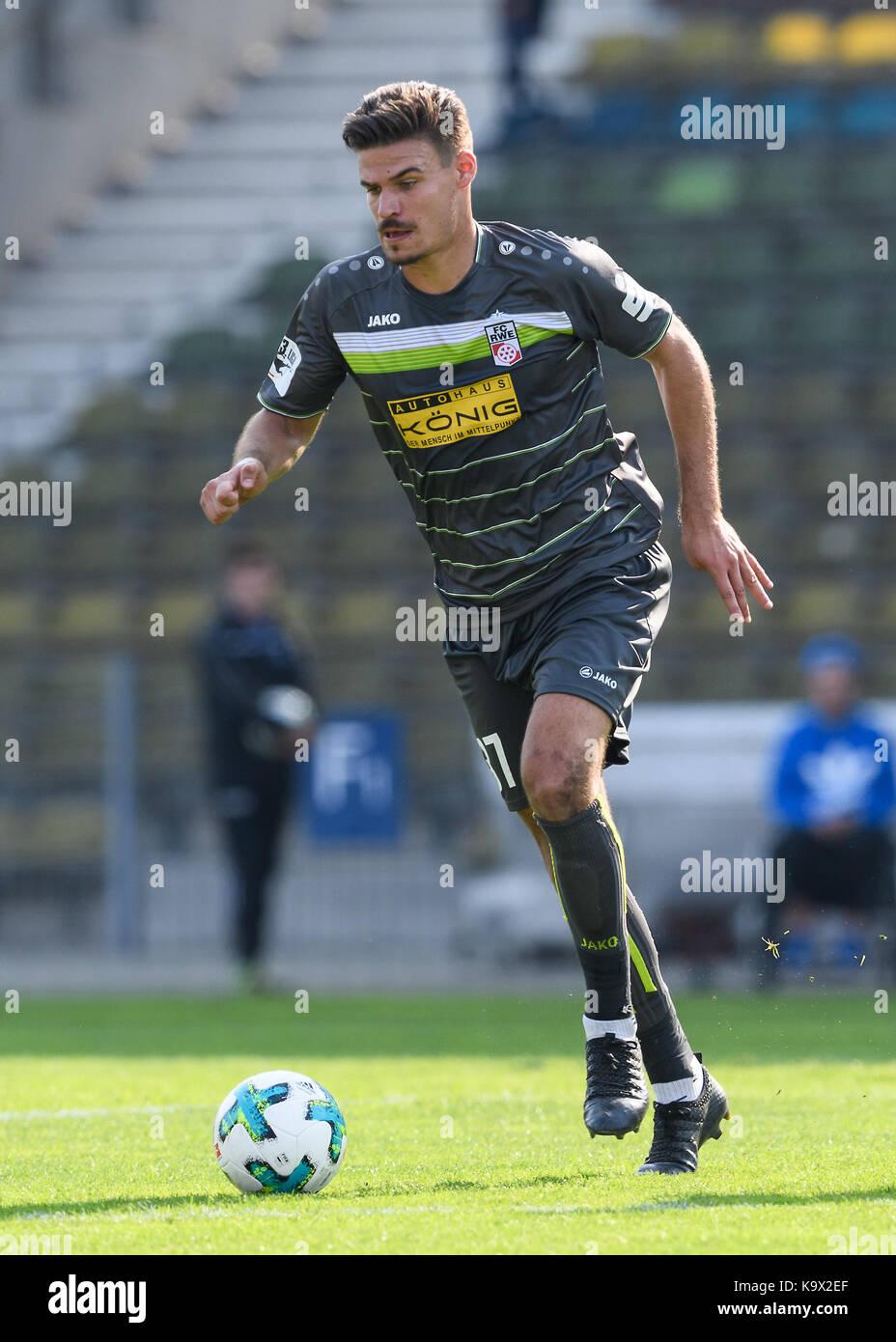 Karlsruhe, Deutschland. 24th Sep, 2017. Christopher Bieber (RW) Einzelaktion, Freisteller. GES/ Fussball/ 3. Liga: - Stock Image
