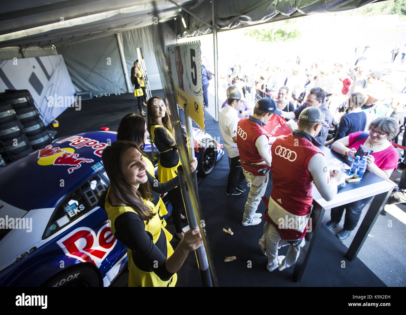 Motorsports: DTM 08 Spielberg 2017, Autogrammstunde - autograph session, Mattias Ekström, Nico Müller | Verwendung Stock Photo