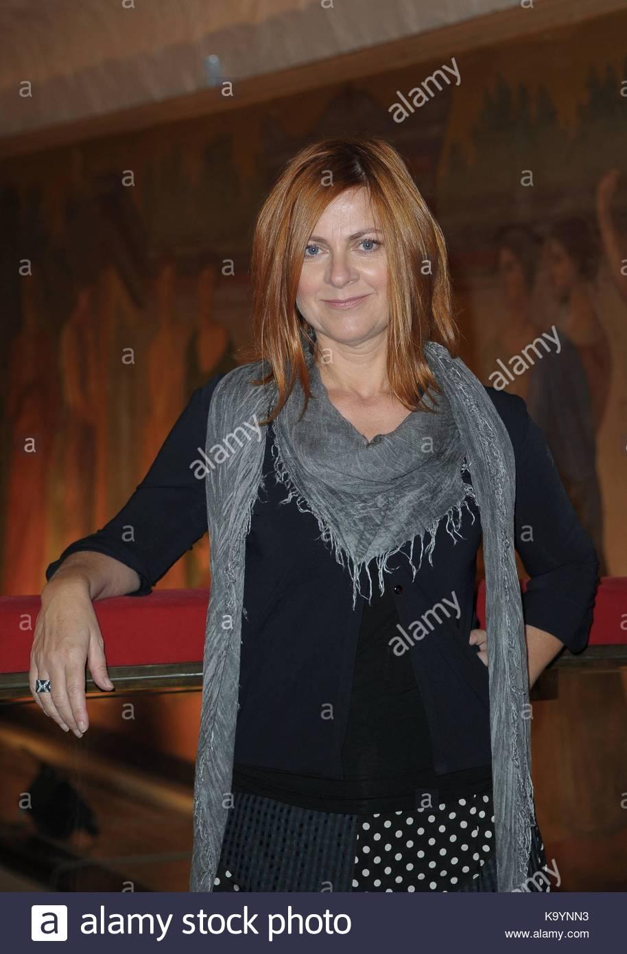 Discussion on this topic: Elise Crombez BEL 2 2006-2007, marina-massironi/
