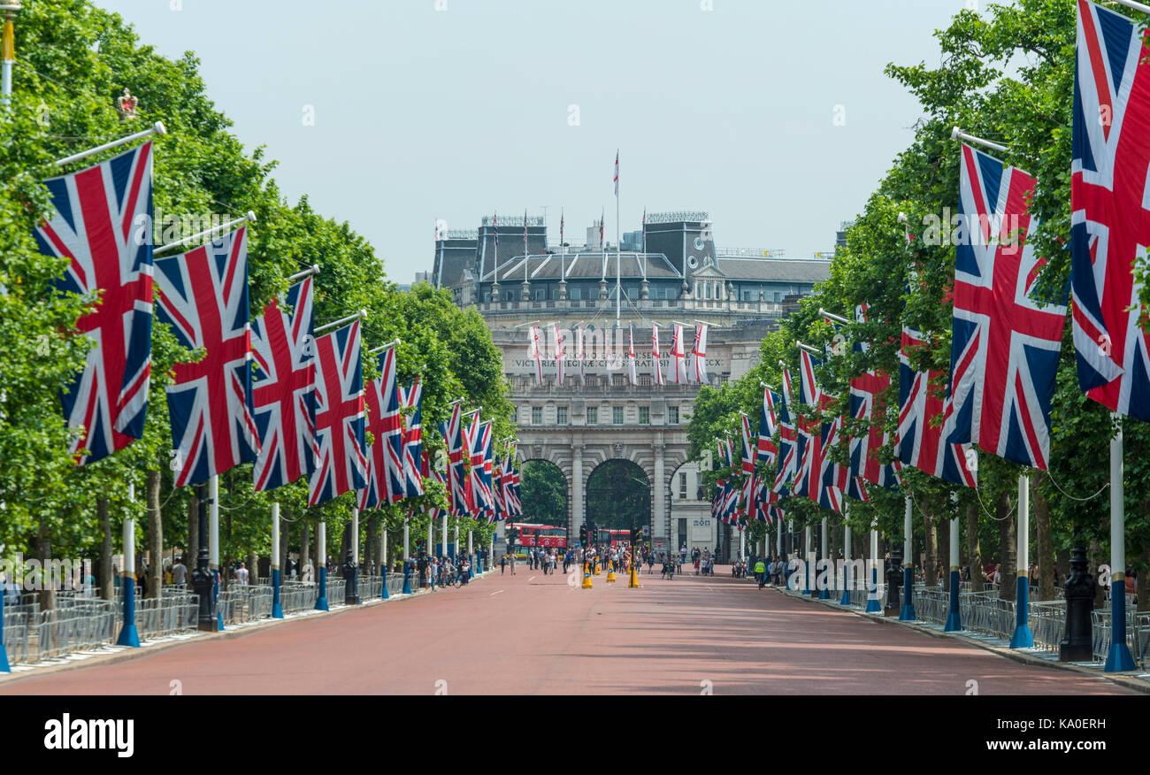 Flags on road, Buckingham Palace, The Mall, Southwark, London, London region, London, England, Great Britain, Europe - Stock Image