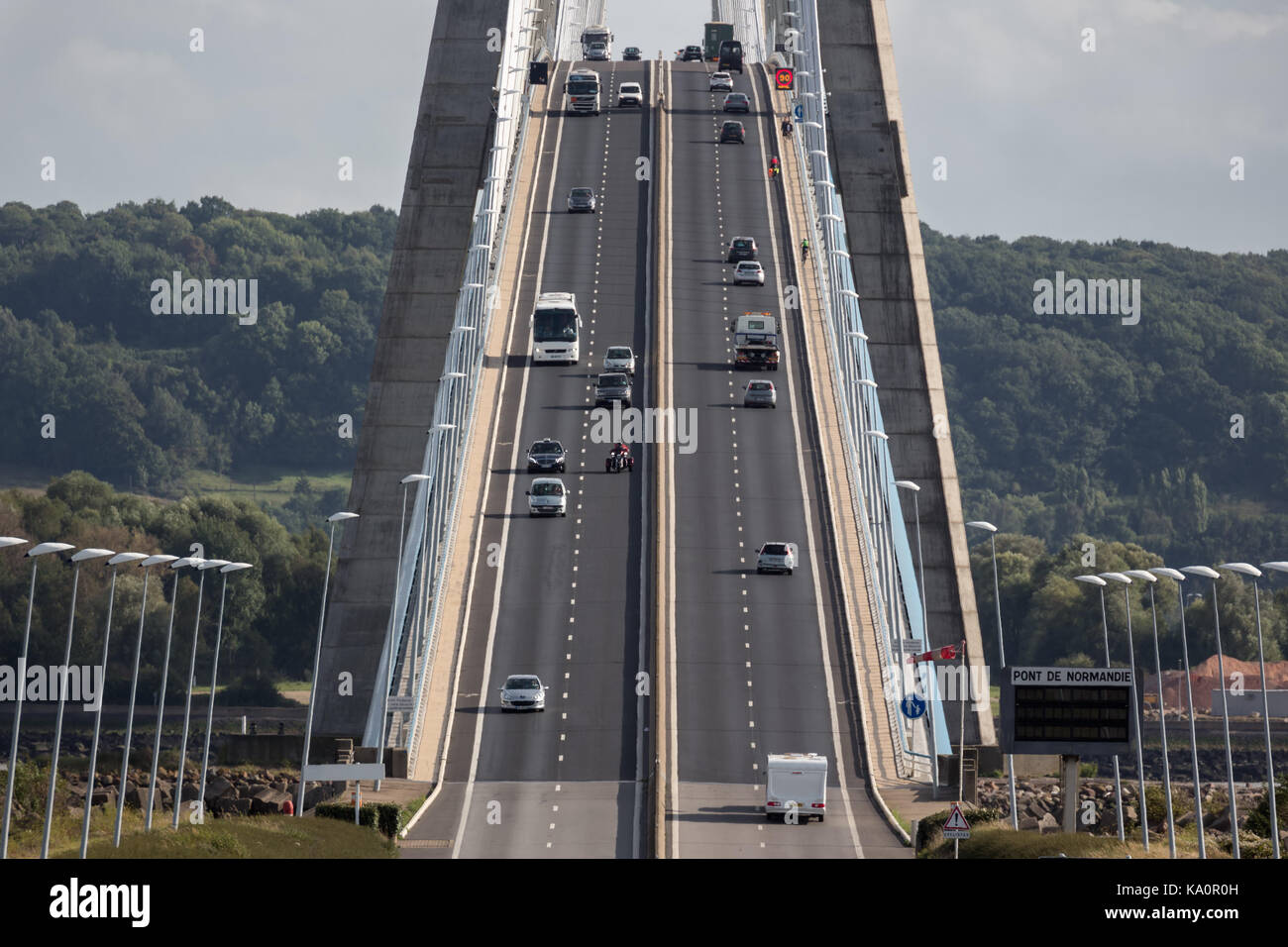 Traffic at Pont de Normandie, bridge over river Seine near Le Havre in France - Stock Image