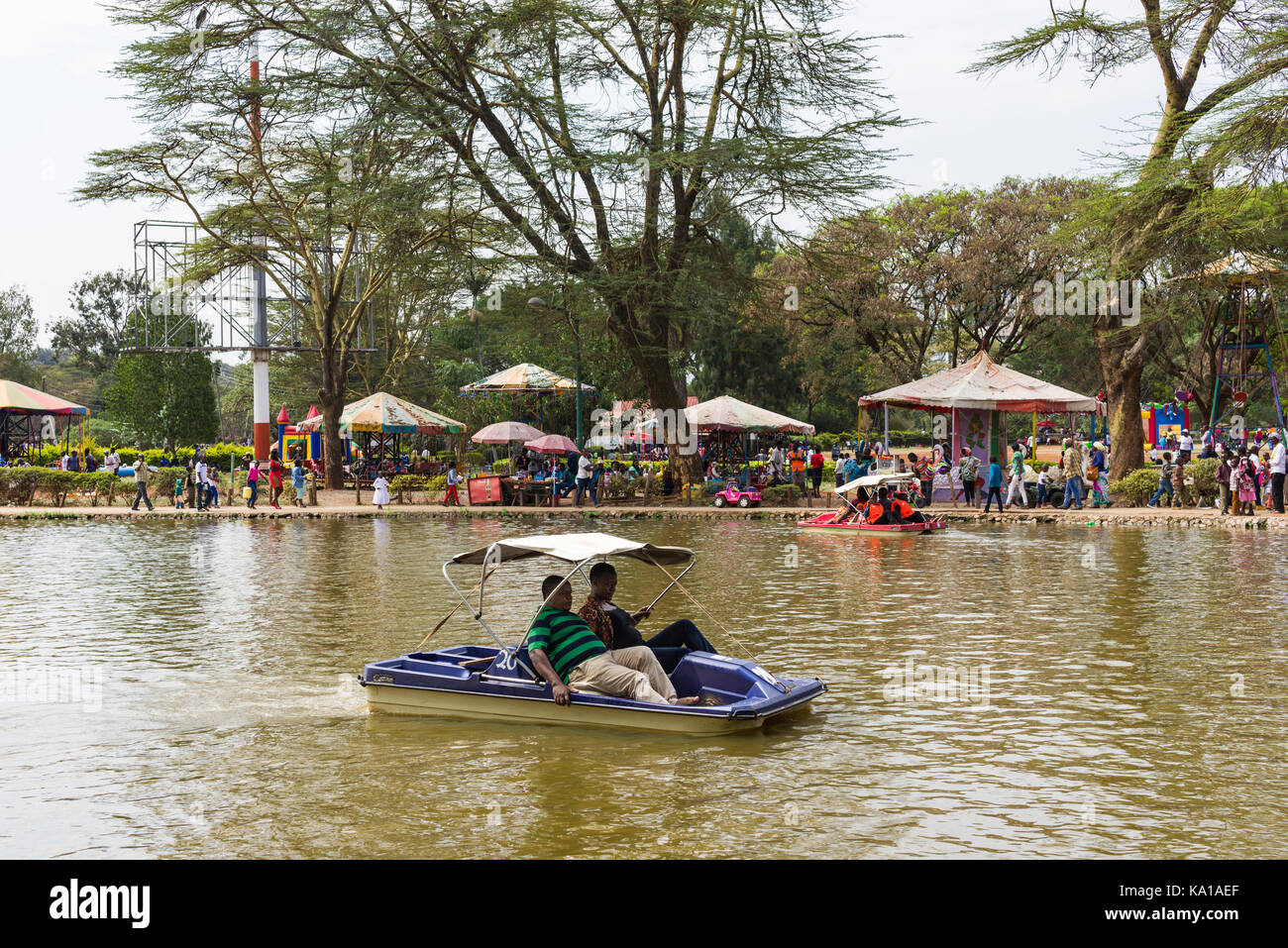 Paddle Boat Ride Stock Photos & Paddle Boat Ride Stock Images - Alamy