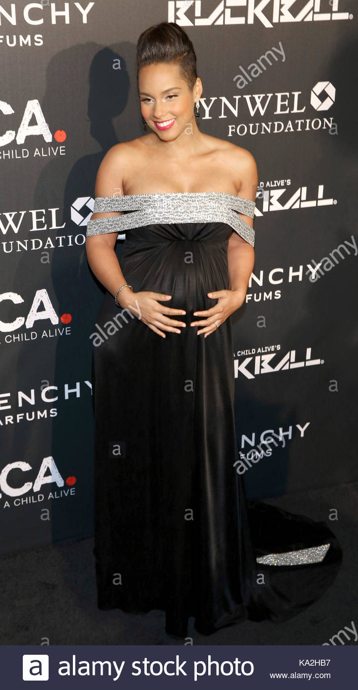 8a0018eadcce2 Alicia Keys. Arrivals at Keep a Child Alive s (KCA) Black Ball Stock ...